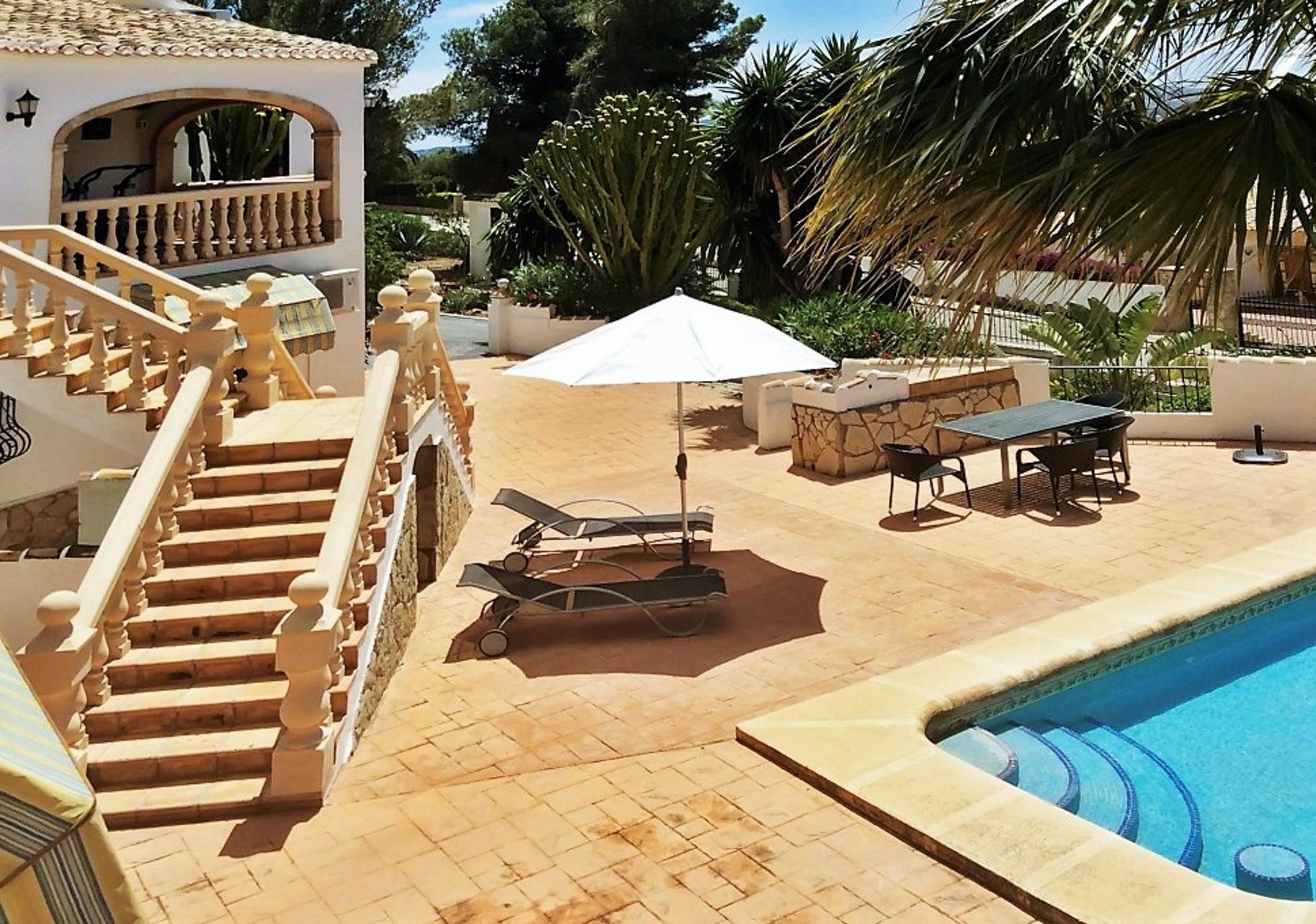 Ferienhaus Geräumige Villa mit fünf Schlafzimmer in Javea mit möblierter Terrasse, Pool und toller Au (2201168), Jávea, Costa Blanca, Valencia, Spanien, Bild 14