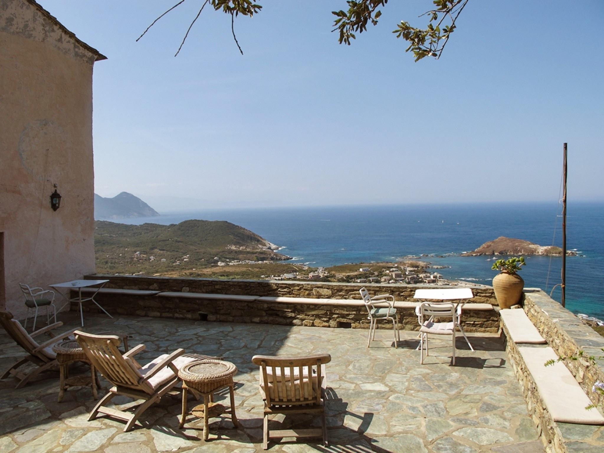 Maison de vacances Herrliches Haus mit neun Schlafzimmern und grandiosem Blick aufs Meer im hübschen Dörfchen (2202571), Centuri, Haute-Corse, Corse, France, image 3