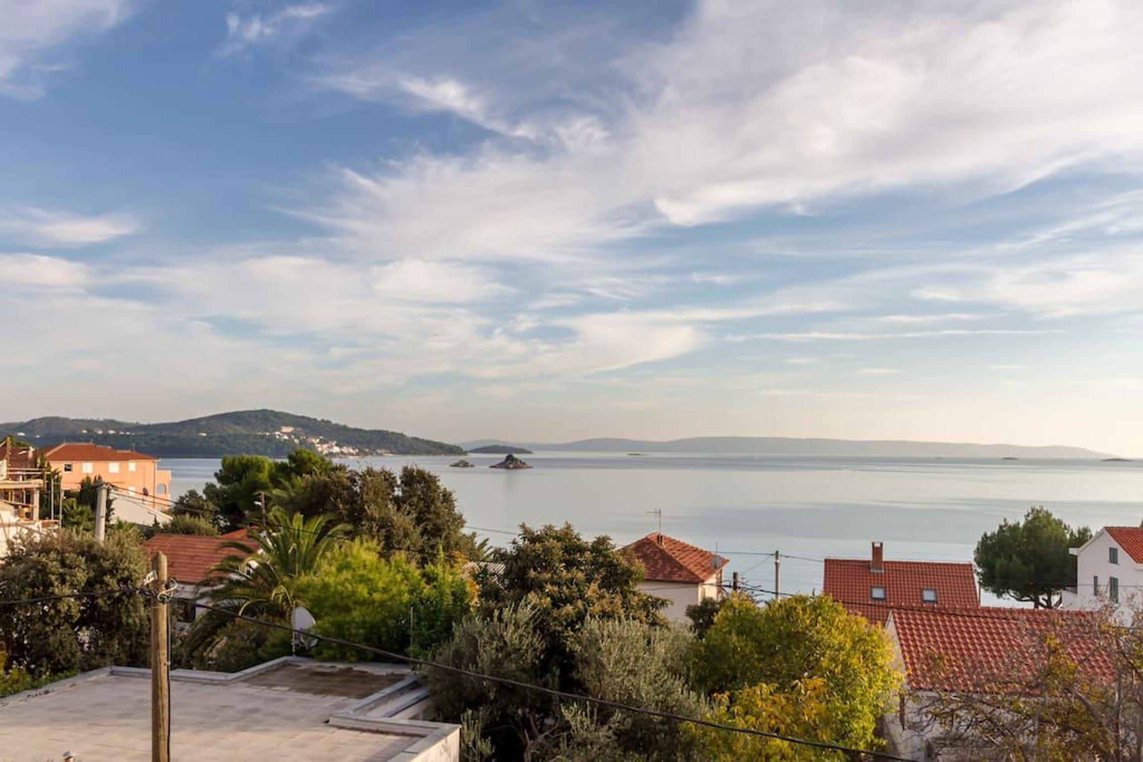 Ferienwohnung Wohnung mit 3 Zimmern in Seget Vranjica mit herrlichem Meerblick und eingezäuntem Garten - (2339638), Seget Donji, , Dalmatien, Kroatien, Bild 10