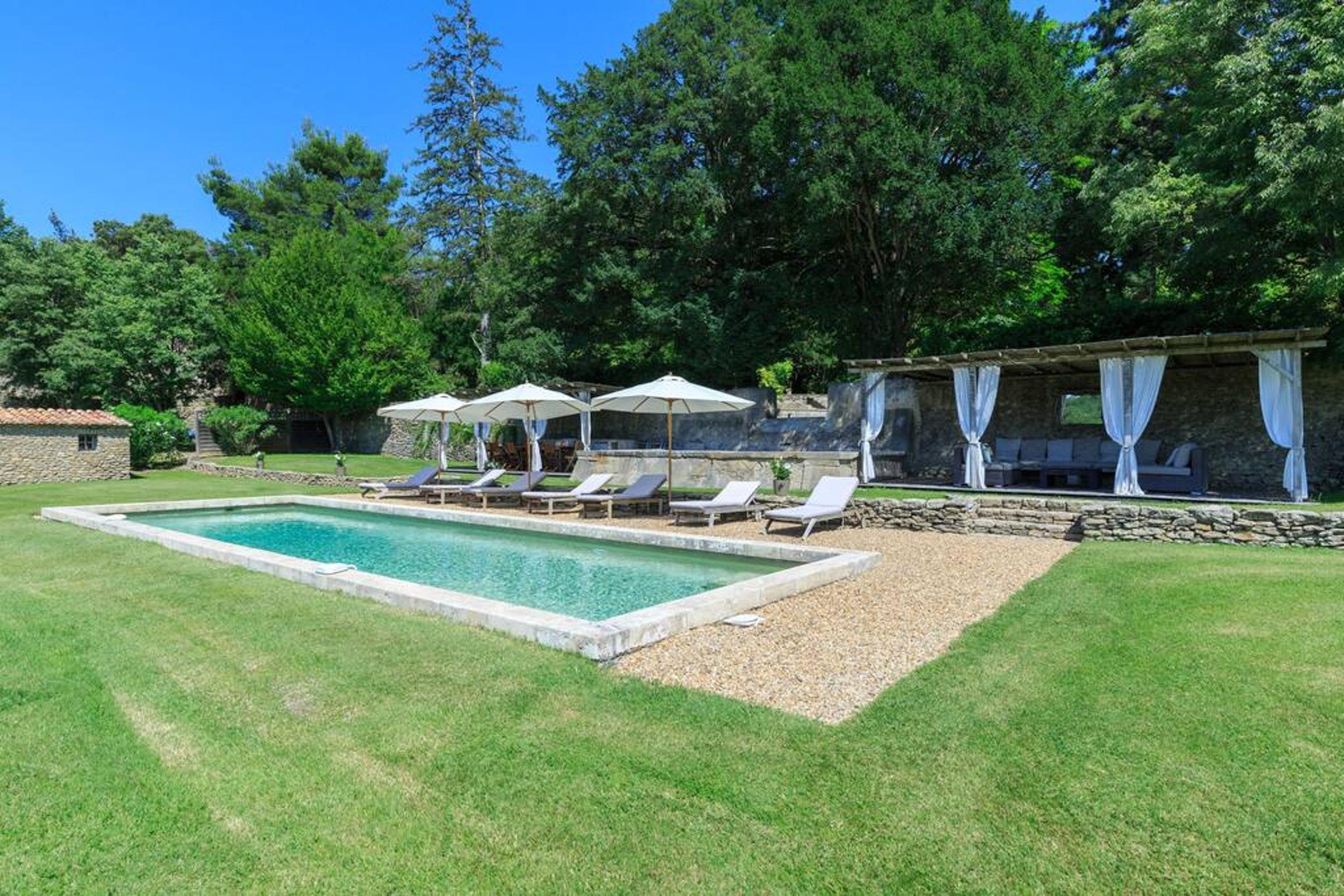Maison de vacances Villa mit 6 Schlafzimmern in L'Isle-sur-la-Sorgue mit privatem Pool, möbliertem Garten und (2647203), L'Isle sur la Sorgue, Vaucluse, Provence - Alpes - Côte d'Azur, France, image 1