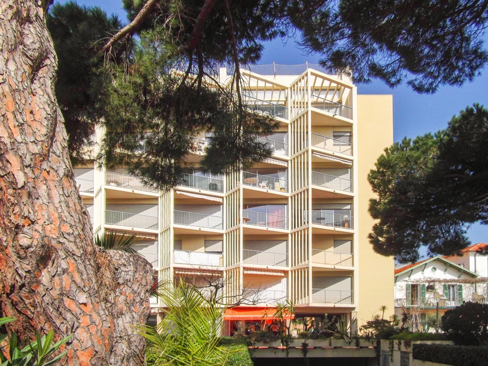 Holiday apartment Helle Zweizimmerwohnung mit Meerblick und Balkon - 50 m vom Strand in Le Lavandou entfernt (2201212), Le Lavandou, Côte d'Azur, Provence - Alps - Côte d'Azur, France, picture 2
