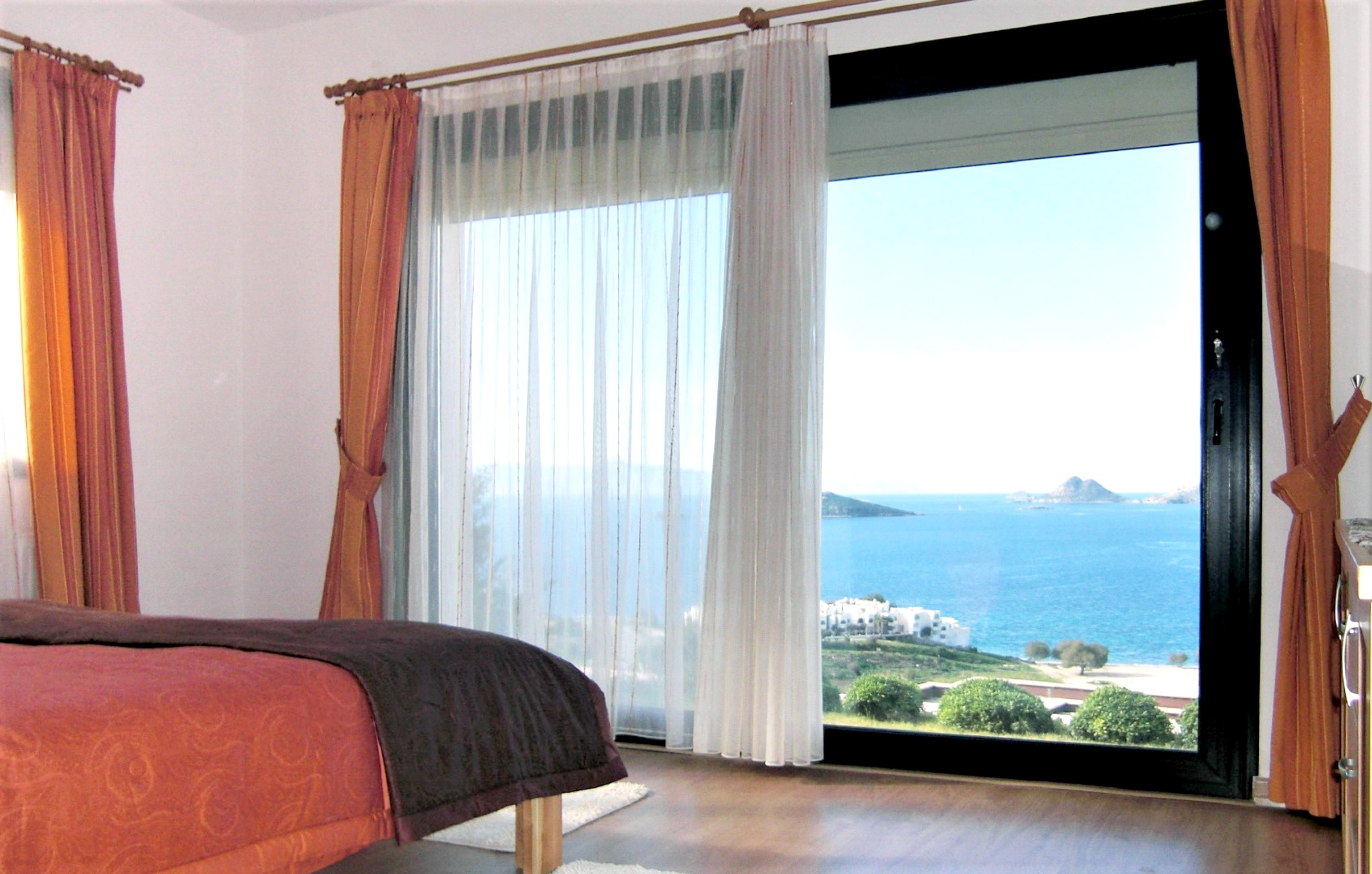 Maison de vacances Moderne türkische Villa mit zwei Pools, herrlicher Aussicht, WLAN und Zugang zu einem Priv (2202326), Turgutreis, , Région Egéenne, Turquie, image 16
