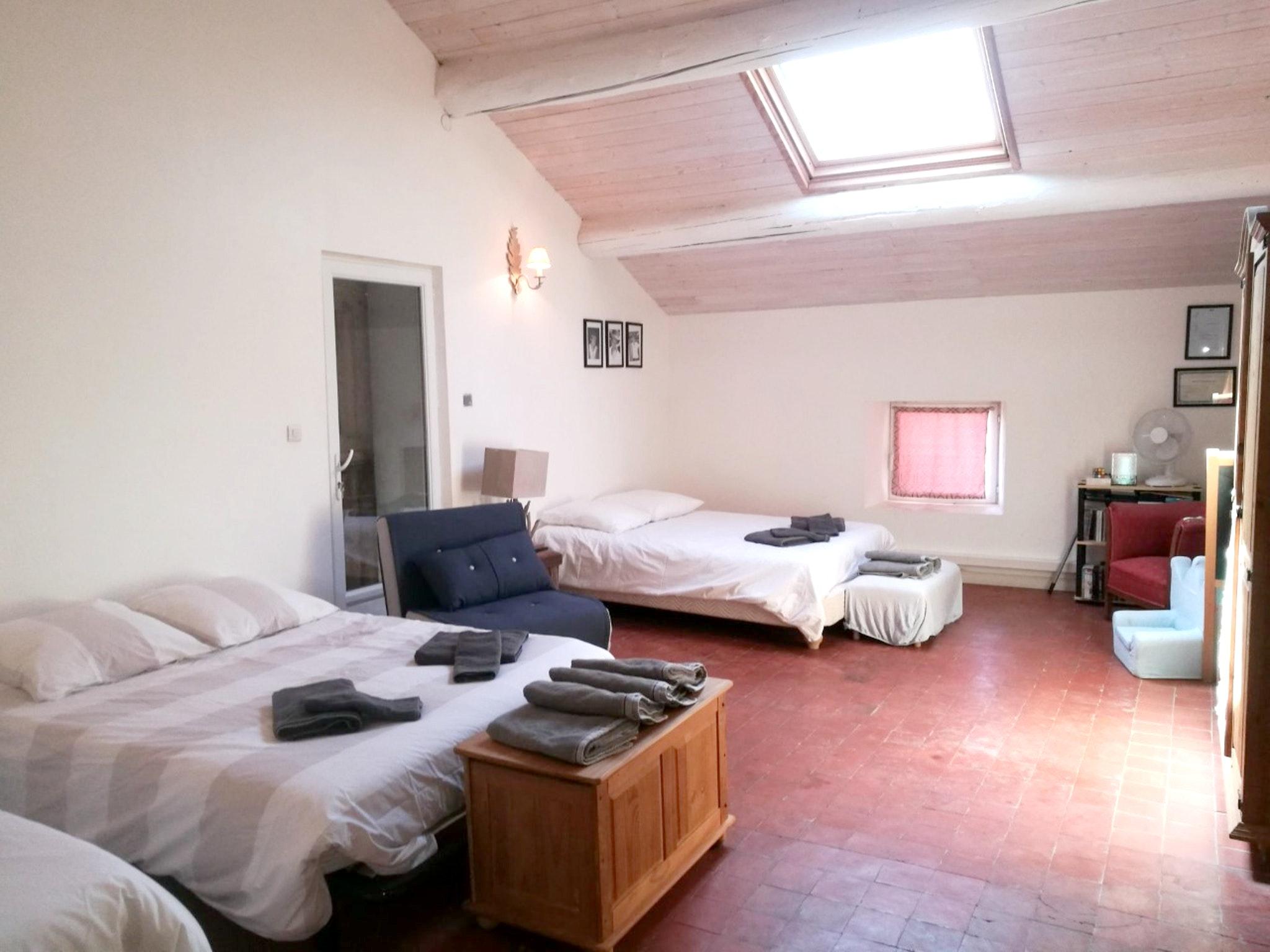 Ferienhaus Haus mit 6 Schlafzimmern in Pernes-les-Fontaines mit privatem Pool, möbliertem Garten und  (2377414), Pernes les Fontaines, Saône-et-Loire, Burgund, Frankreich, Bild 40