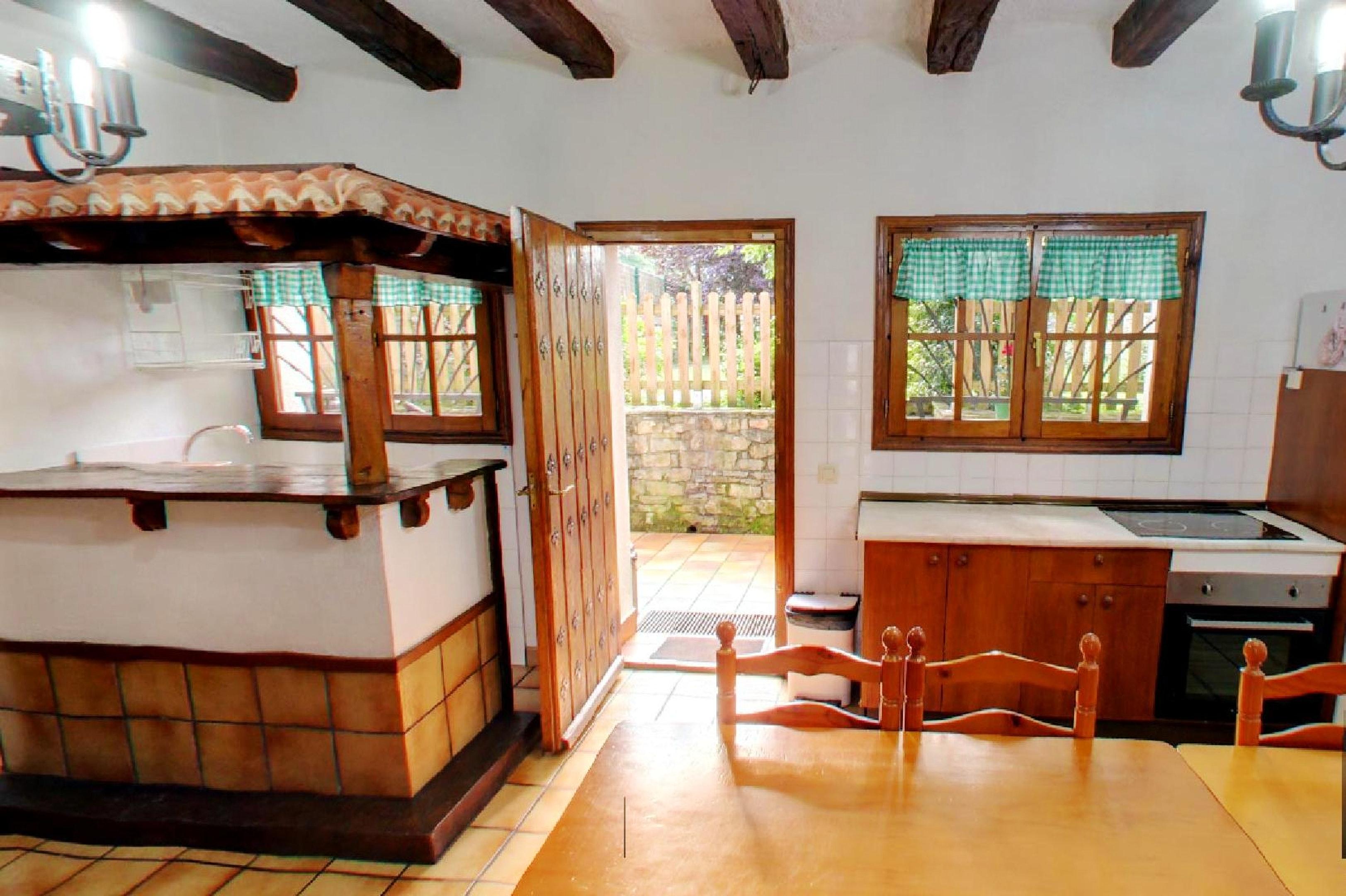Haus mit 6 Schlafzimmern in Lizaso mit eingezä Ferienhaus  Navarra