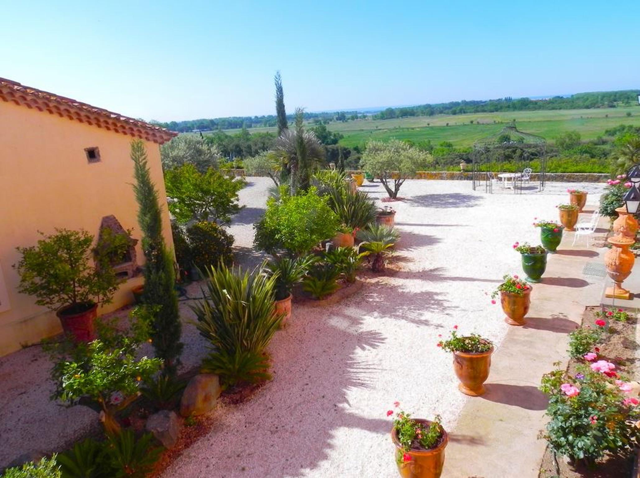 Ferienhaus Charaktervolles Haus in Hérault mit Pool und Garten (2201003), Portiragnes, Mittelmeerküste Hérault, Languedoc-Roussillon, Frankreich, Bild 32