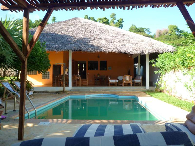 Bungalow mit 2 Schlafzimmern in Andilana mit herrl Hütte