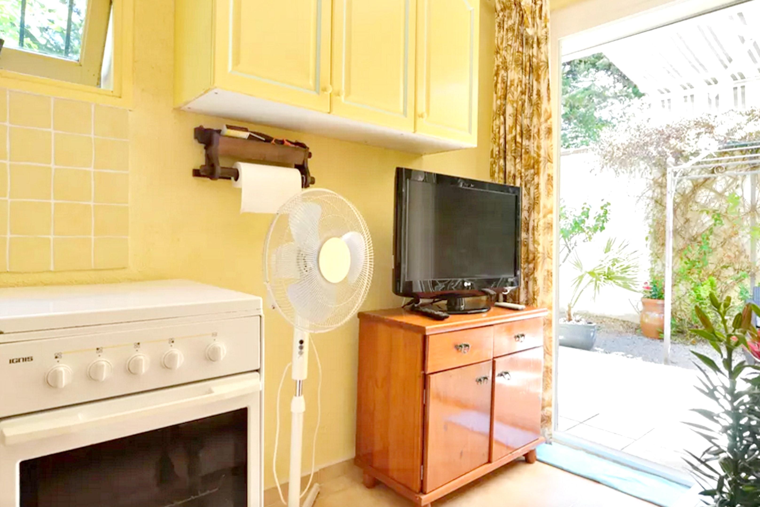 Holiday apartment Wohnung mit einem Schlafzimmer in Fréjus mit eingezäuntem Garten und W-LAN (2202409), Fréjus, Côte d'Azur, Provence - Alps - Côte d'Azur, France, picture 8