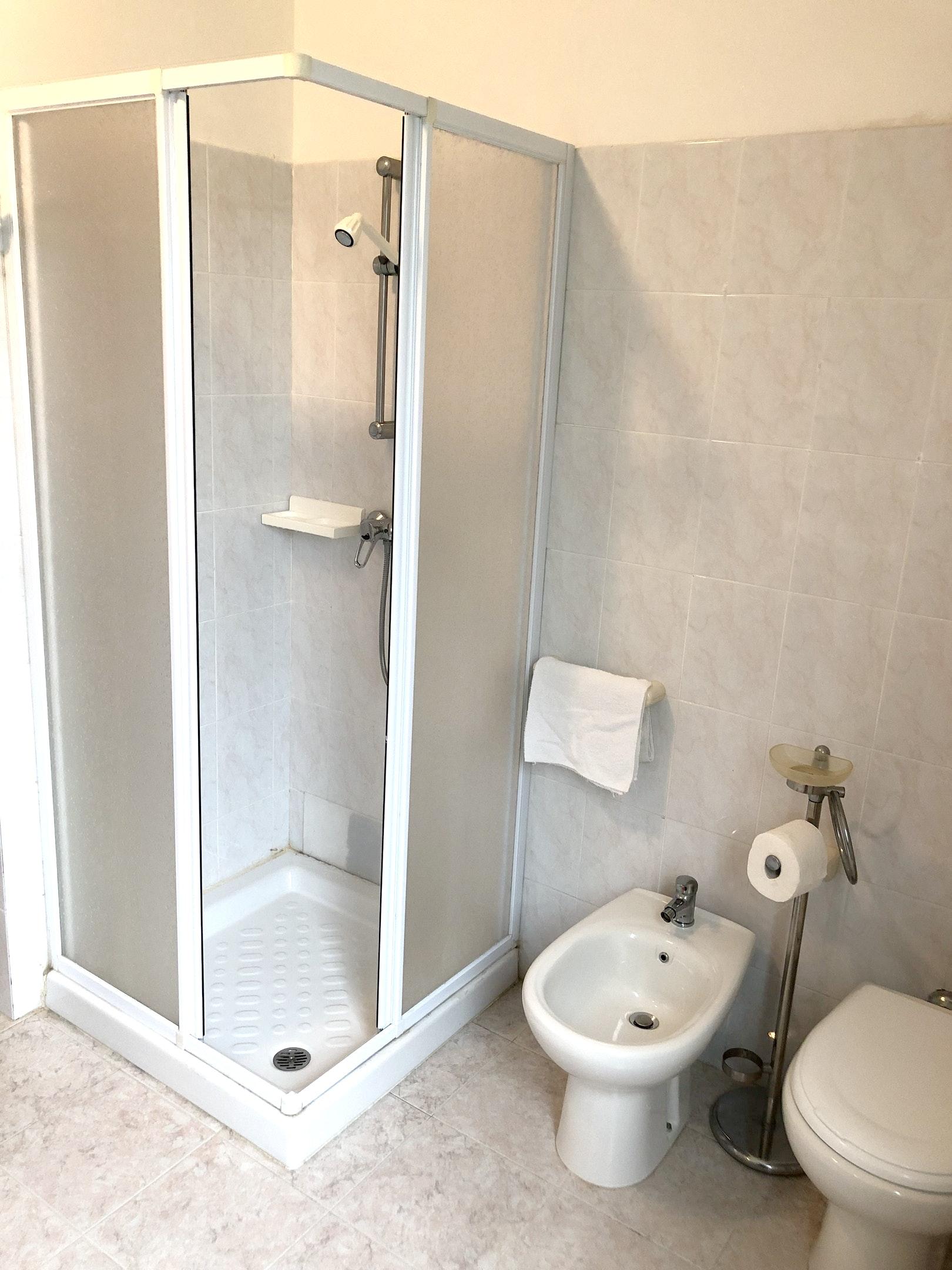 Ferienhaus Haus mit 3 Schlafzimmern in Montenero di bisaccia mit herrlichem Meerblick und eingezäunte (2524275), Montenero di Bisaccia, Campobasso, Molise, Italien, Bild 25