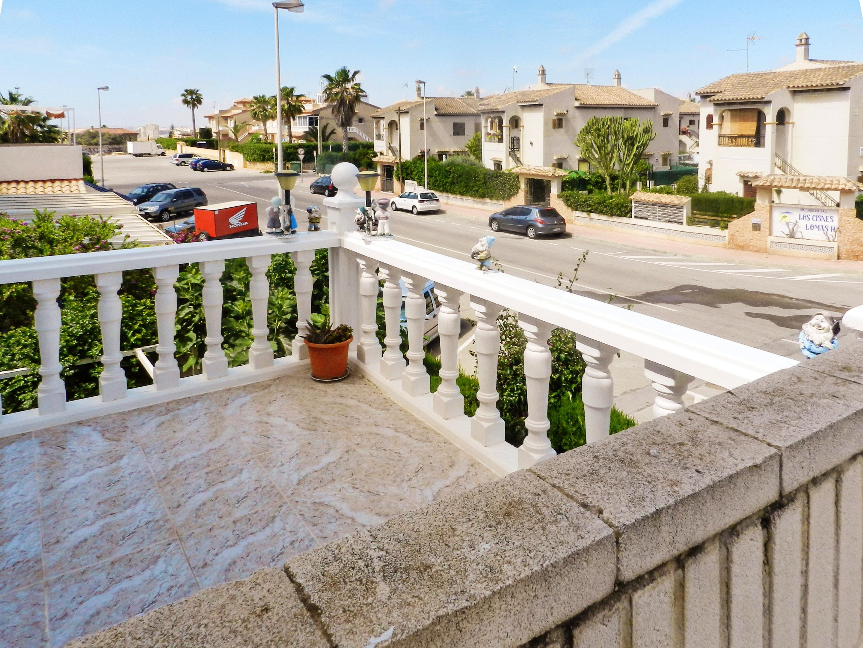 Maison de vacances Haus mit 2 Schlafzimmern in Torrevieja, Alicante mit schöner Aussicht auf die Stadt, Pool, (2201630), Torrevieja, Costa Blanca, Valence, Espagne, image 26