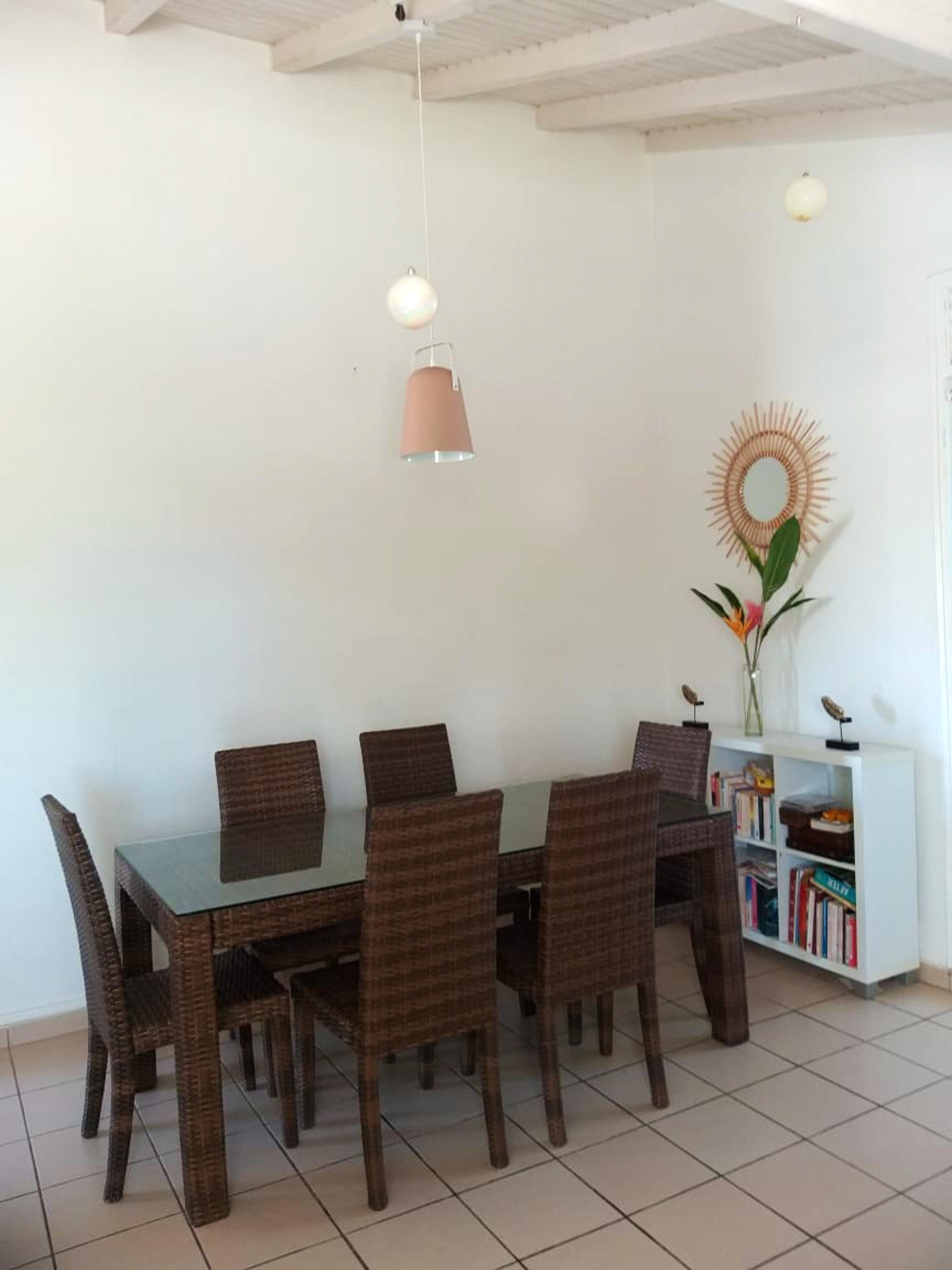 Haus mit 2 Schlafzimmern in Le Gosier mit eingez&a Ferienhaus in Guadeloupe