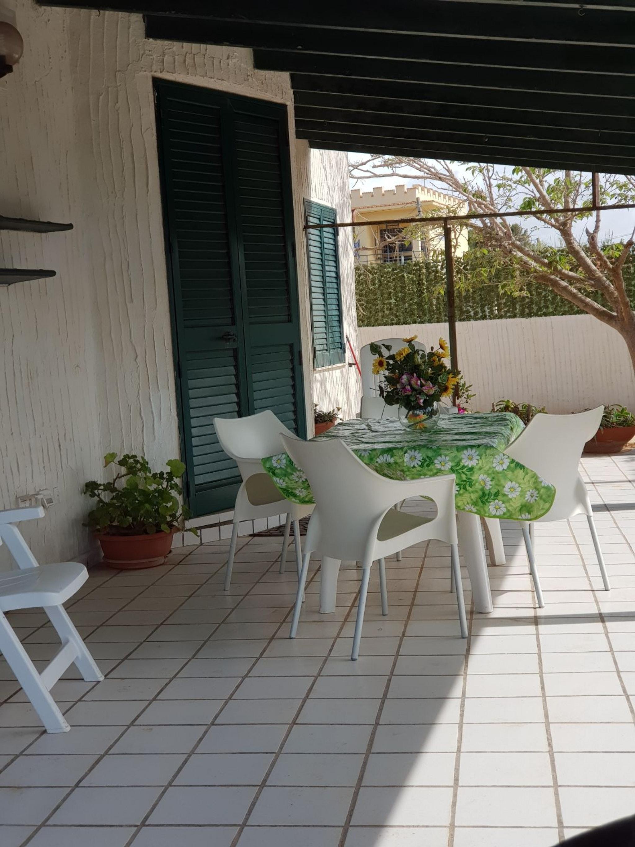 Holiday house Haus mit 3 Schlafzimmern in Mazara del Vallo mit möblierter Terrasse - 10 m vom Strand ent (2425159), Mazara del Vallo, Trapani, Sicily, Italy, picture 4