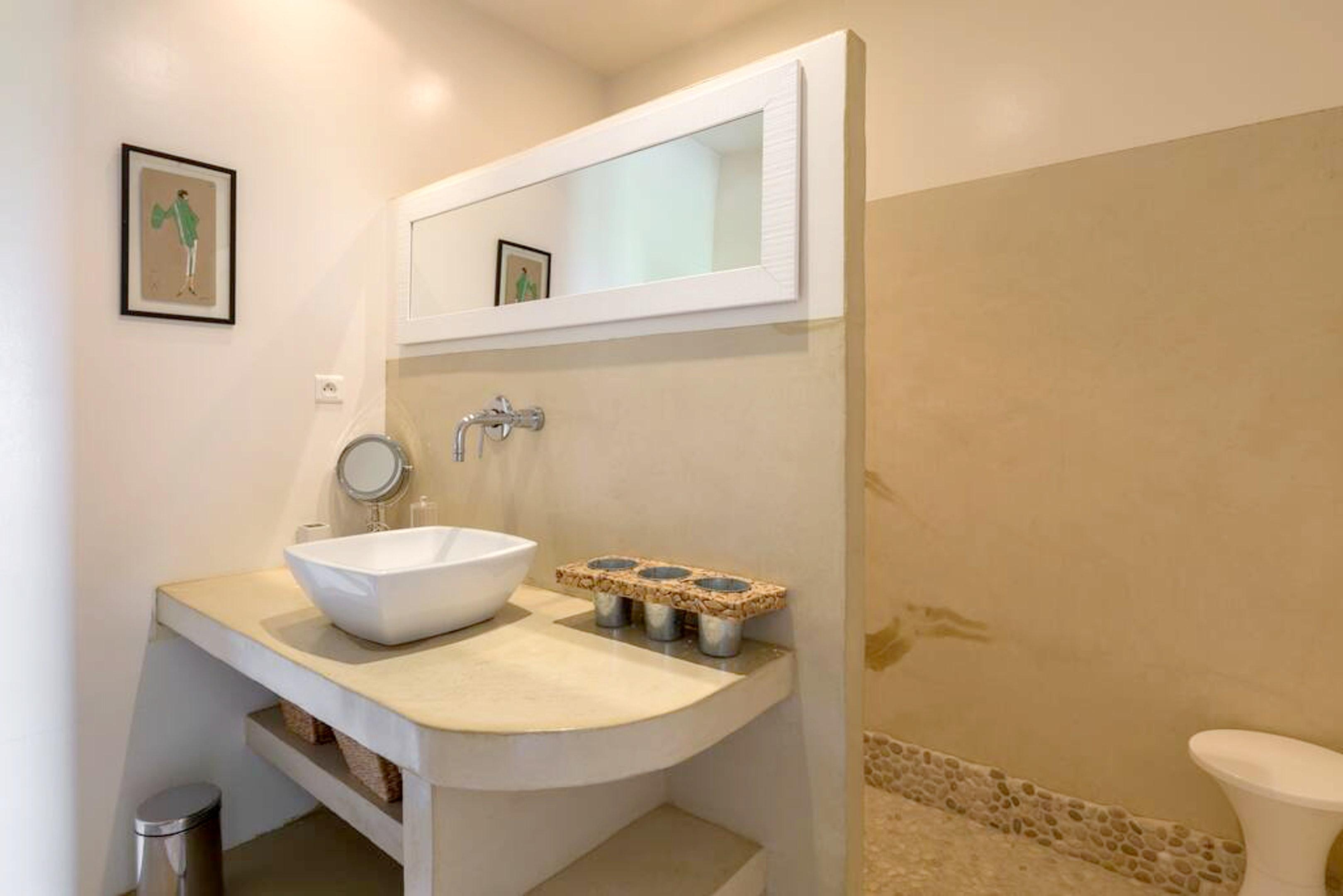 Maison de vacances Villa mit 6 Schlafzimmern in L'Isle-sur-la-Sorgue mit privatem Pool, möbliertem Garten und (2647203), L'Isle sur la Sorgue, Vaucluse, Provence - Alpes - Côte d'Azur, France, image 15
