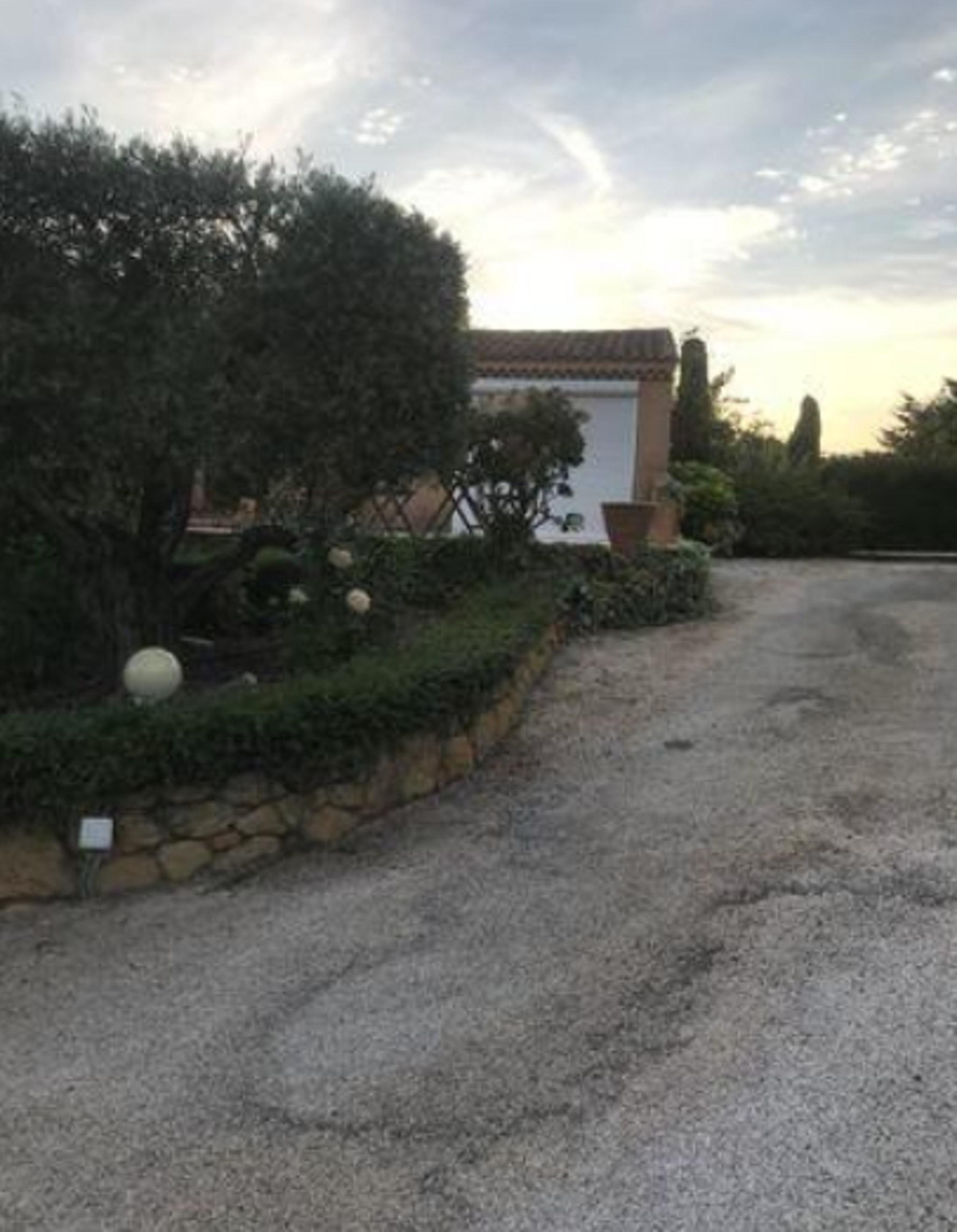 Holiday apartment Studio in Lançon-Provence mit Pool, möbliertem Garten und W-LAN (2676969), Lançon Provence, Bouches-du-Rhône, Provence - Alps - Côte d'Azur, France, picture 12