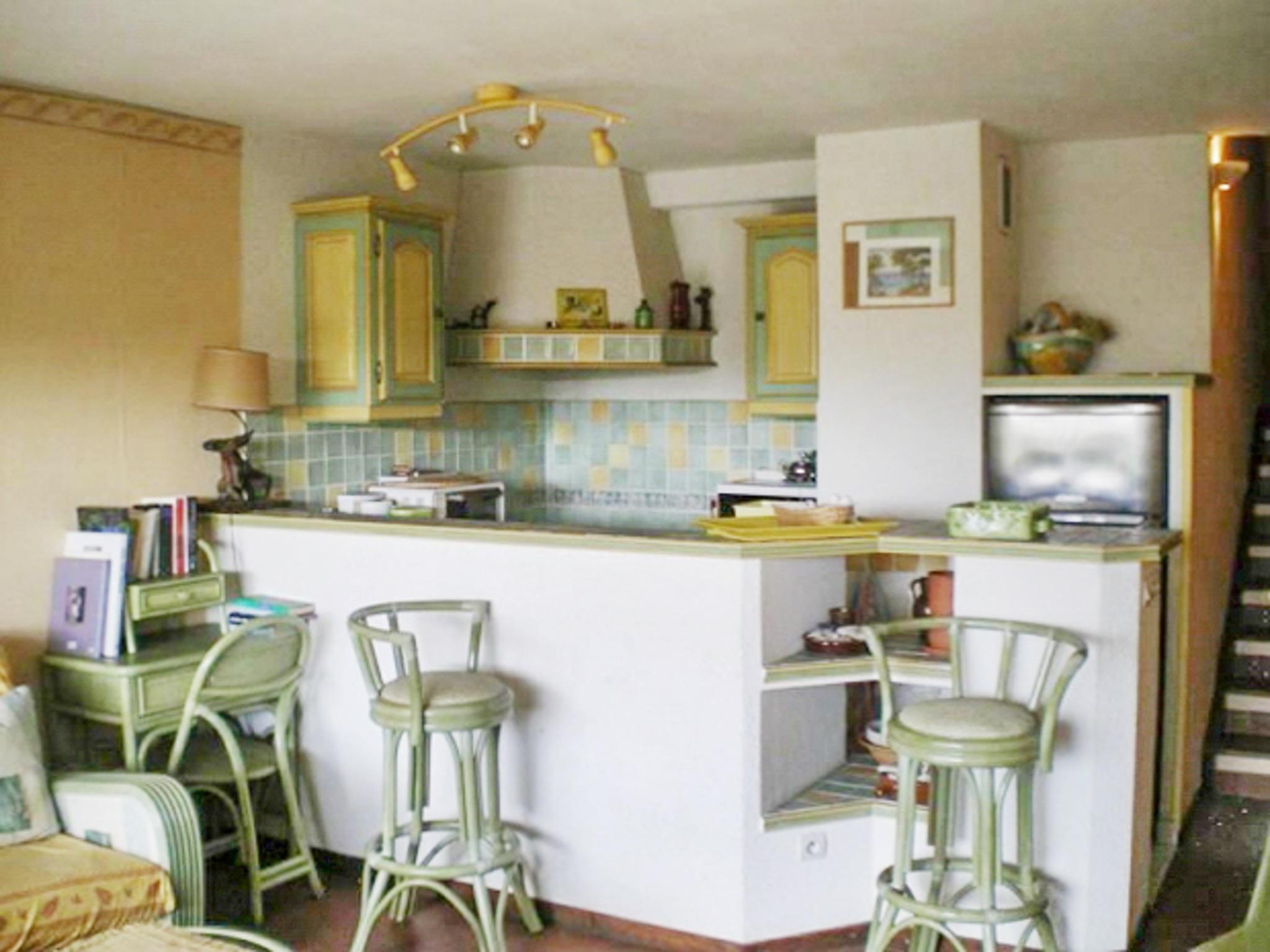 Holiday apartment Helle Zweizimmerwohnung mit Meerblick und Balkon - 50 m vom Strand in Le Lavandou entfernt (2201212), Le Lavandou, Côte d'Azur, Provence - Alps - Côte d'Azur, France, picture 5