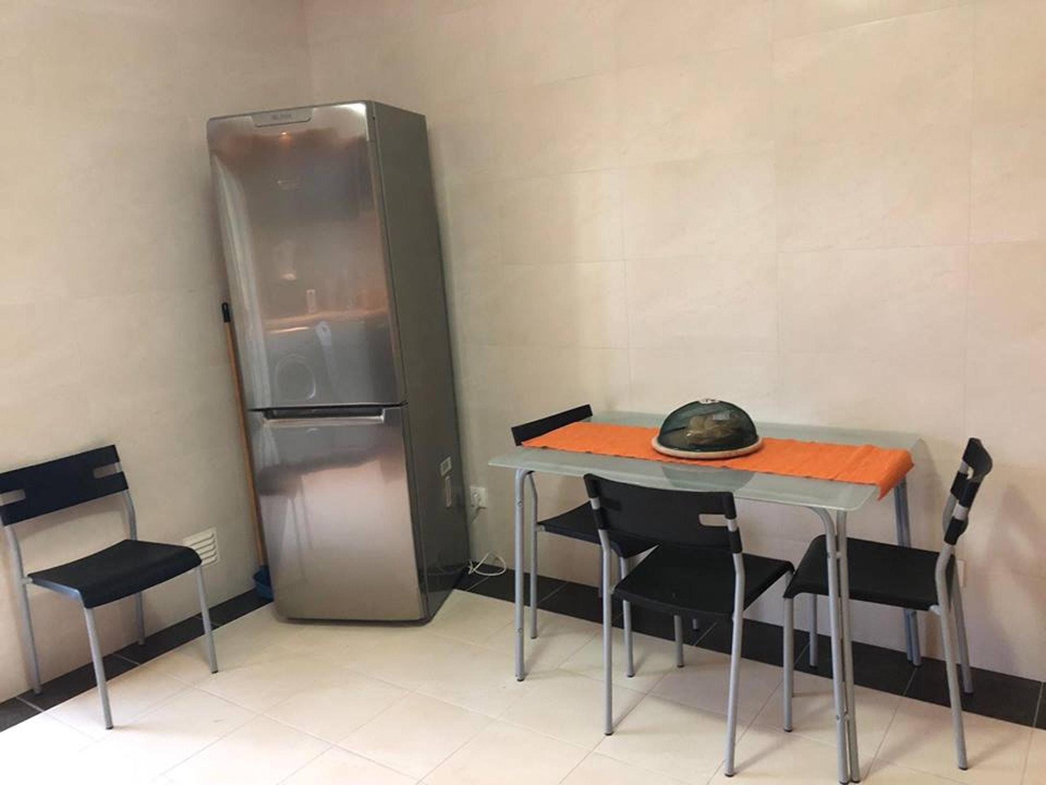Ferienwohnung Wohnung mit einem Schlafzimmer in Peniche mit Terrasse und W-LAN - 400 m vom Strand entfer (2622208), Peniche, Costa de Prata, Zentral-Portugal, Portugal, Bild 4