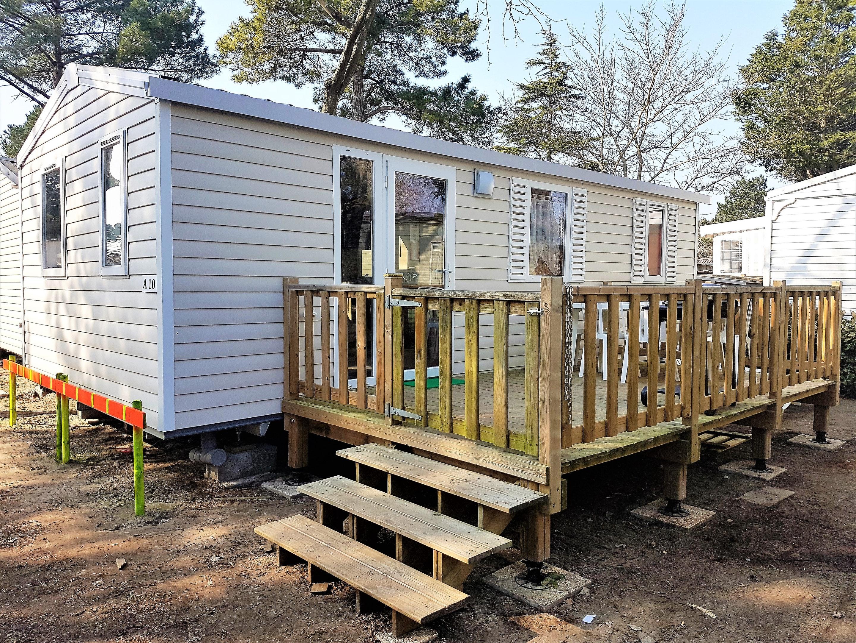 Bungalow mit 2 Schlafzimmern in Saint-Jean-de-Mont Hütte