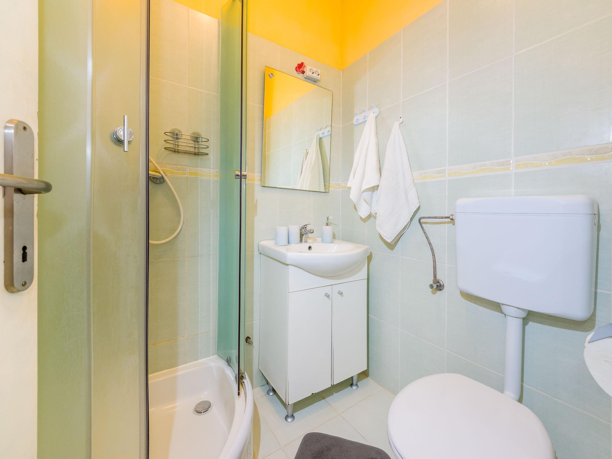 Holiday apartment Wohnung mit einem Zimmer in Zadar mit eingezäuntem Garten und W-LAN - 1 km vom Strand entf (2201234), Zadar, , Dalmatia, Croatia, picture 12