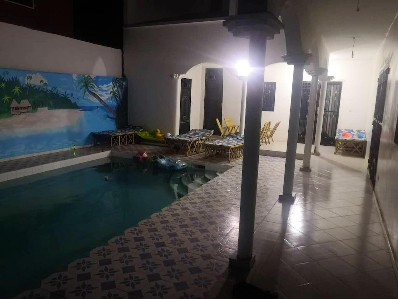 Villa mit 3 Schlafzimmern in Ngaparou mit schö Villa im Senegal