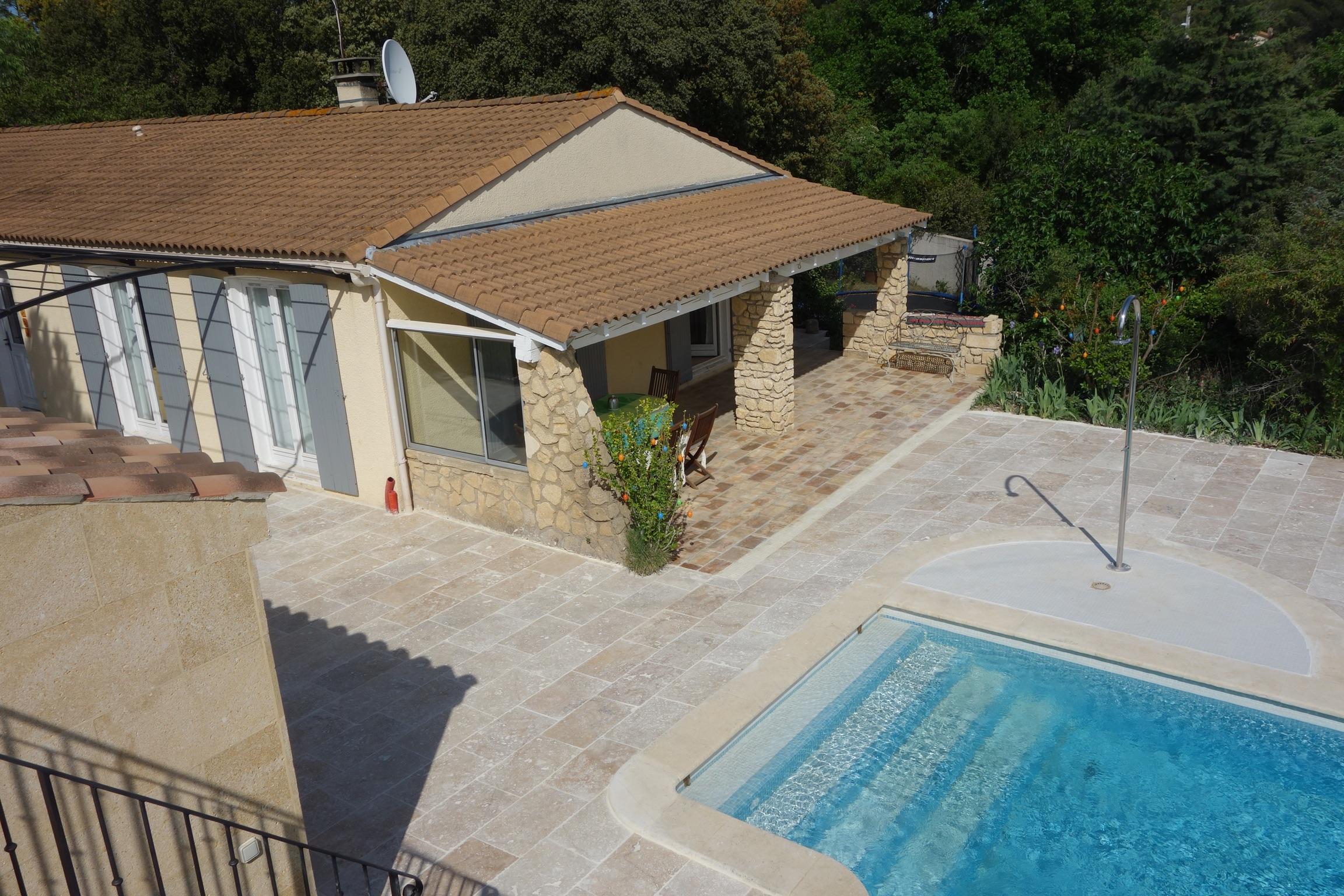 Terrassen Pool modernes haus mit separatem häuschen 3 terrassen pool und