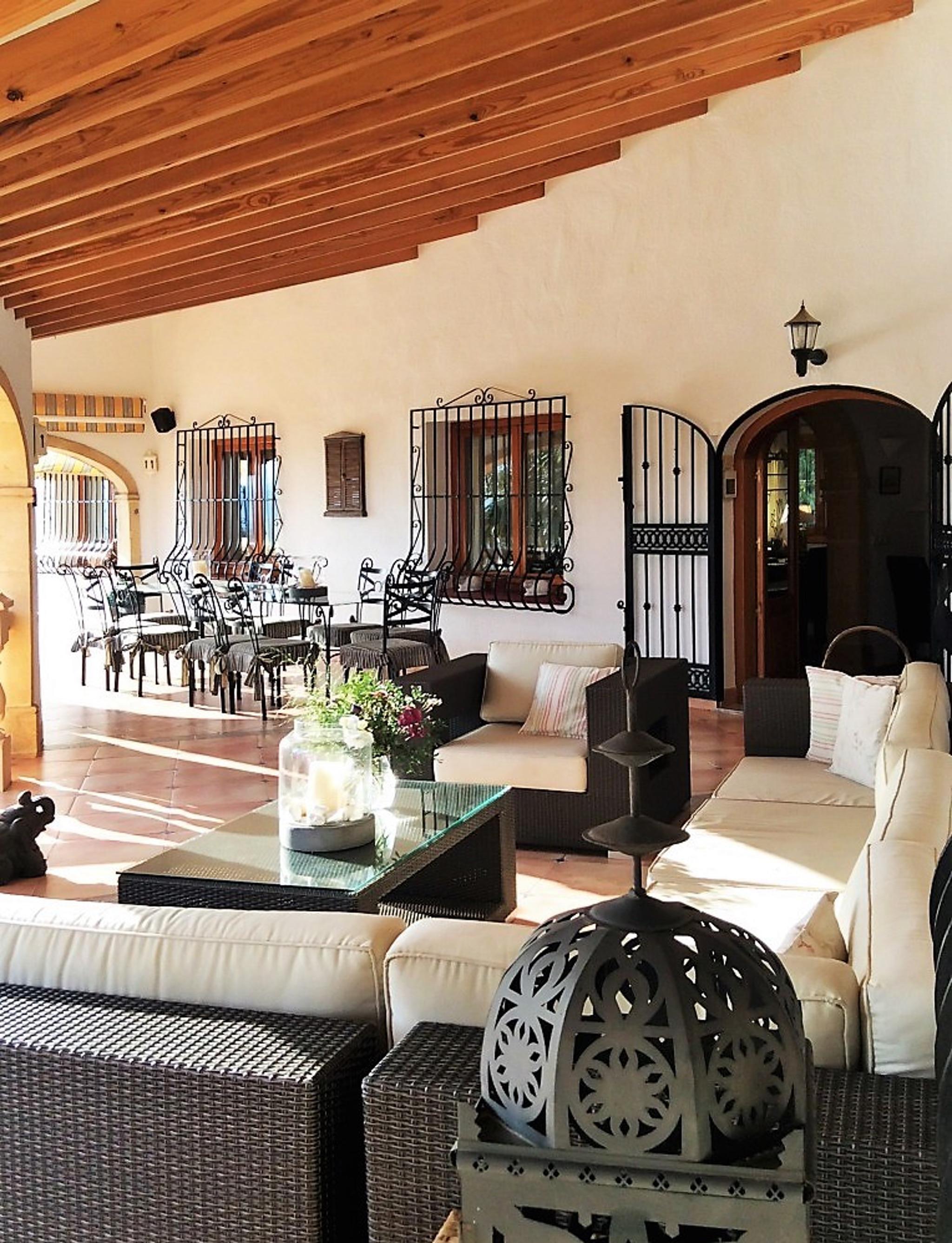 Ferienhaus Geräumige Villa mit fünf Schlafzimmer in Javea mit möblierter Terrasse, Pool und toller Au (2201168), Jávea, Costa Blanca, Valencia, Spanien, Bild 5