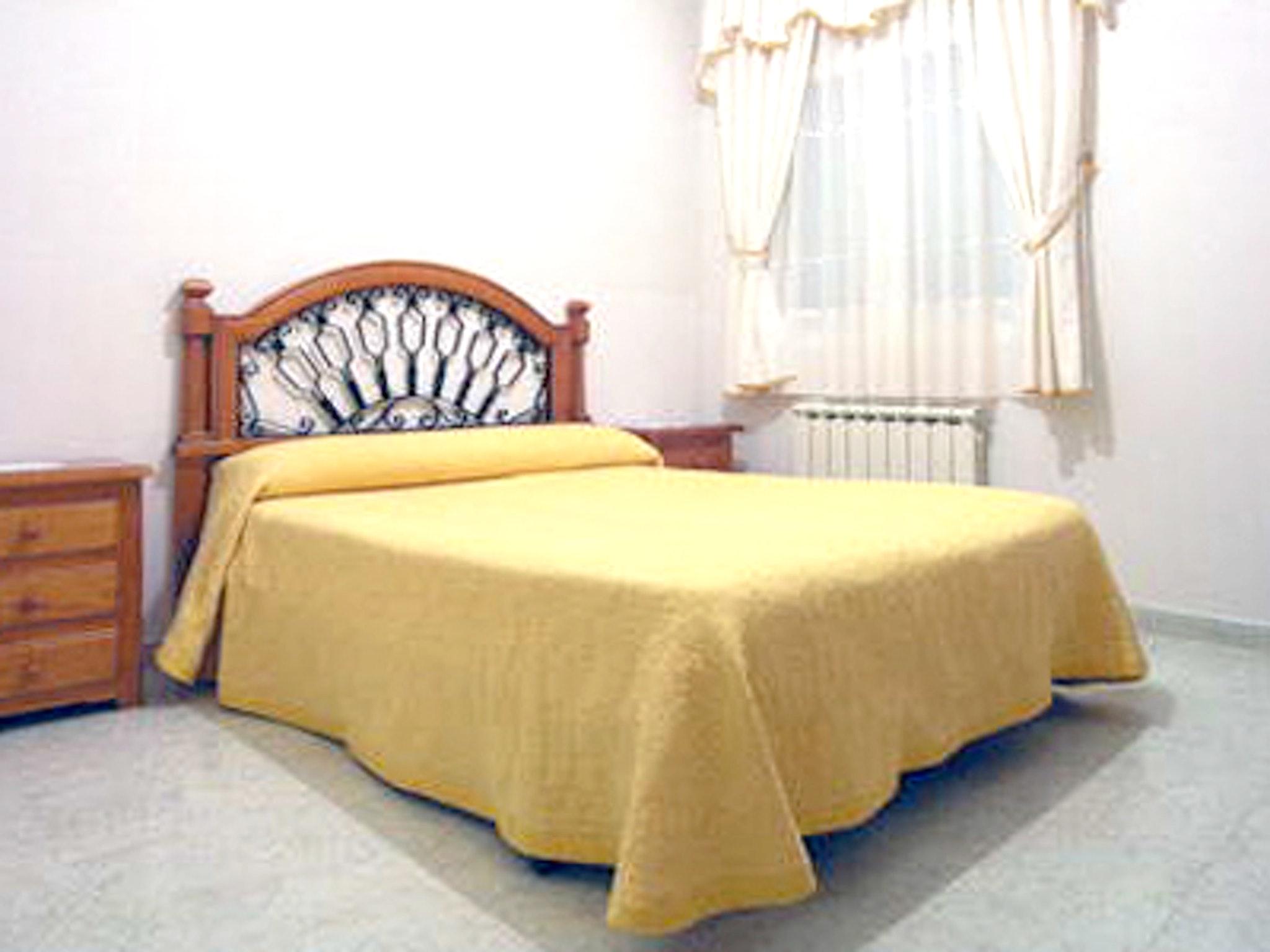 Ferienhaus El Molino Viejo - Haus mit drei Schlafzimmern, Balkon und Blick auf die beeindruckenden Be (2202391), Navacepeda de Tormes, Avila, Kastilien-León, Spanien, Bild 7