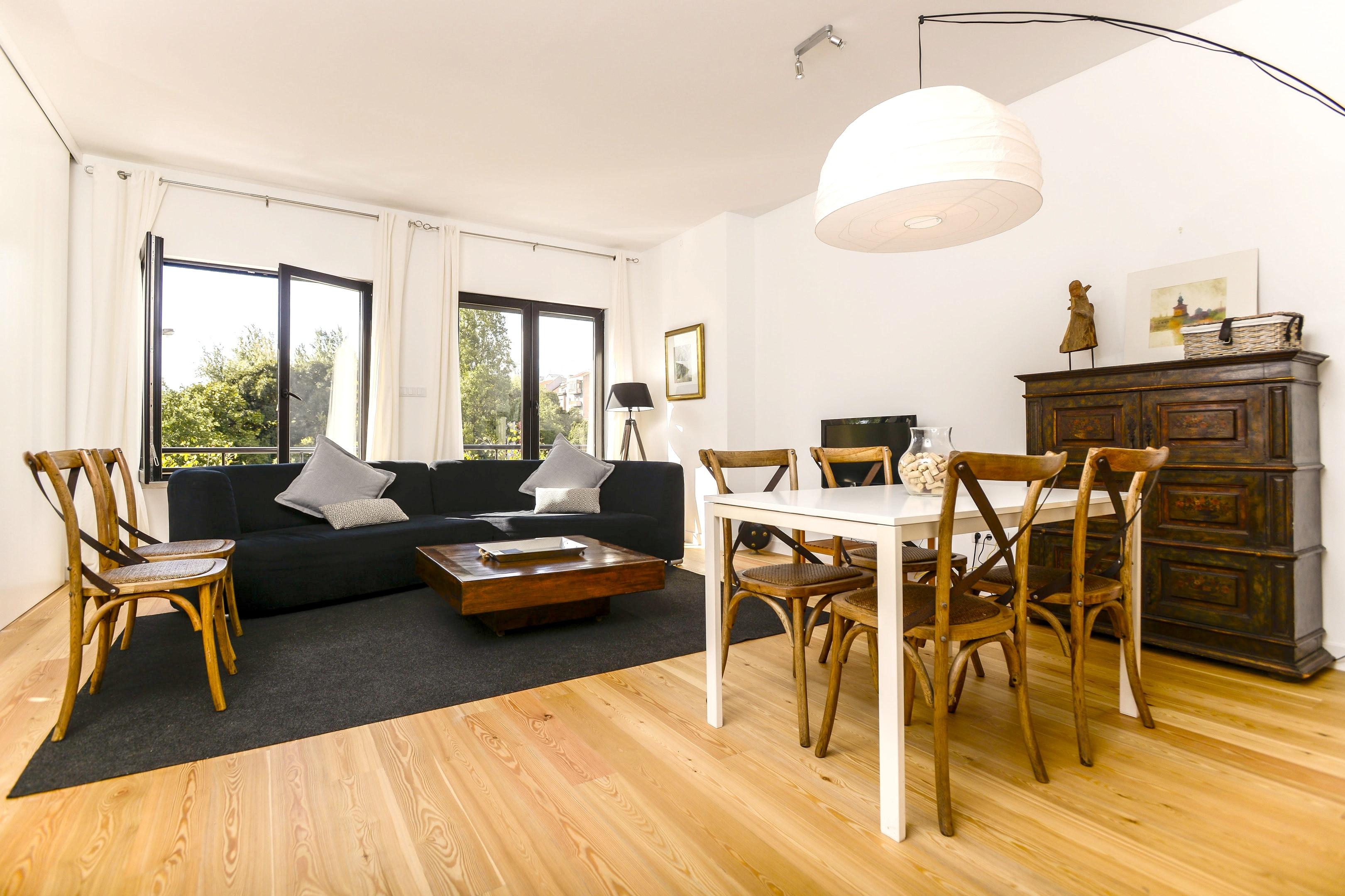 Wohnung mit 3 Schlafzimmern in Lisboa mit schöner Aussicht auf die Stadt möbliertem Balkon und W LAN 15 km vom Strand entfernt