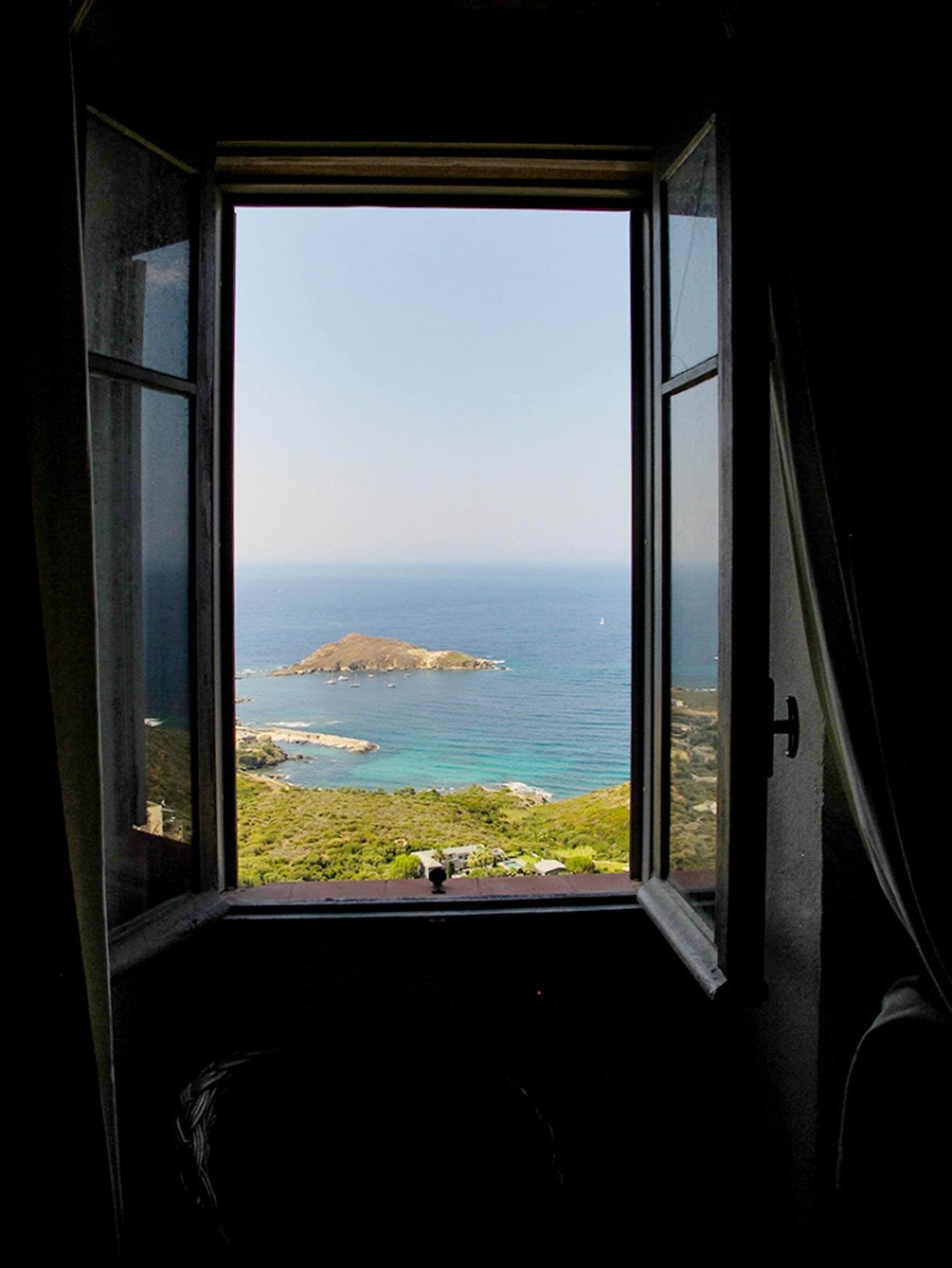 Maison de vacances Herrliches Haus mit neun Schlafzimmern und grandiosem Blick aufs Meer im hübschen Dörfchen (2202571), Centuri, Haute-Corse, Corse, France, image 16