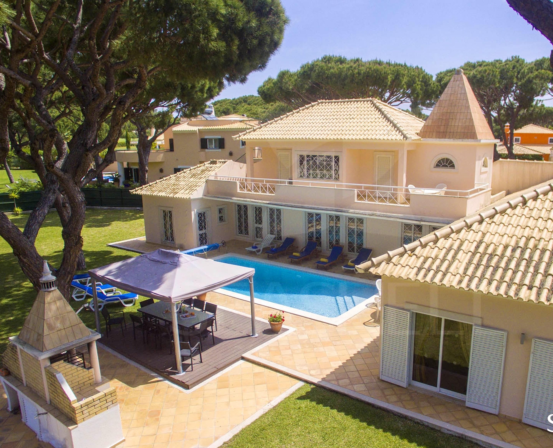 Villa mit 7 Schlafzimmern in Quarteira mit privatem Pool eingezäuntem Garten und W LAN 2 km vom Strand entfernt
