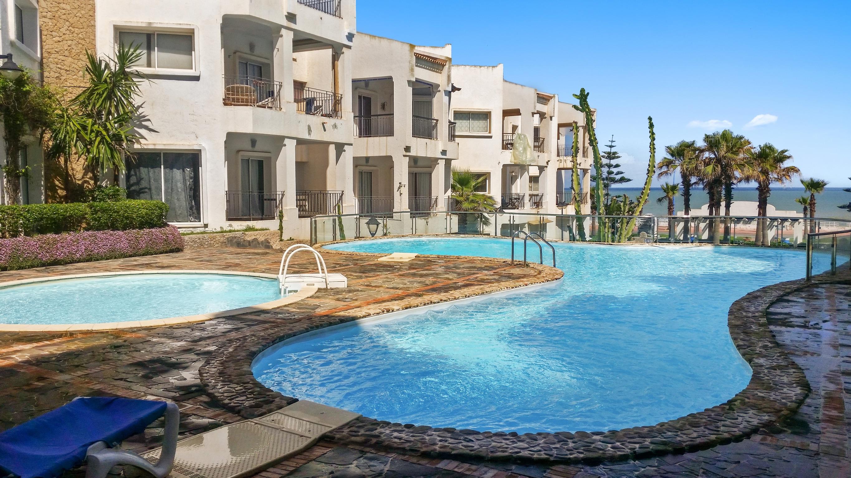 Helle Zweizimmerwohnung in Dar Bouazza Region mit