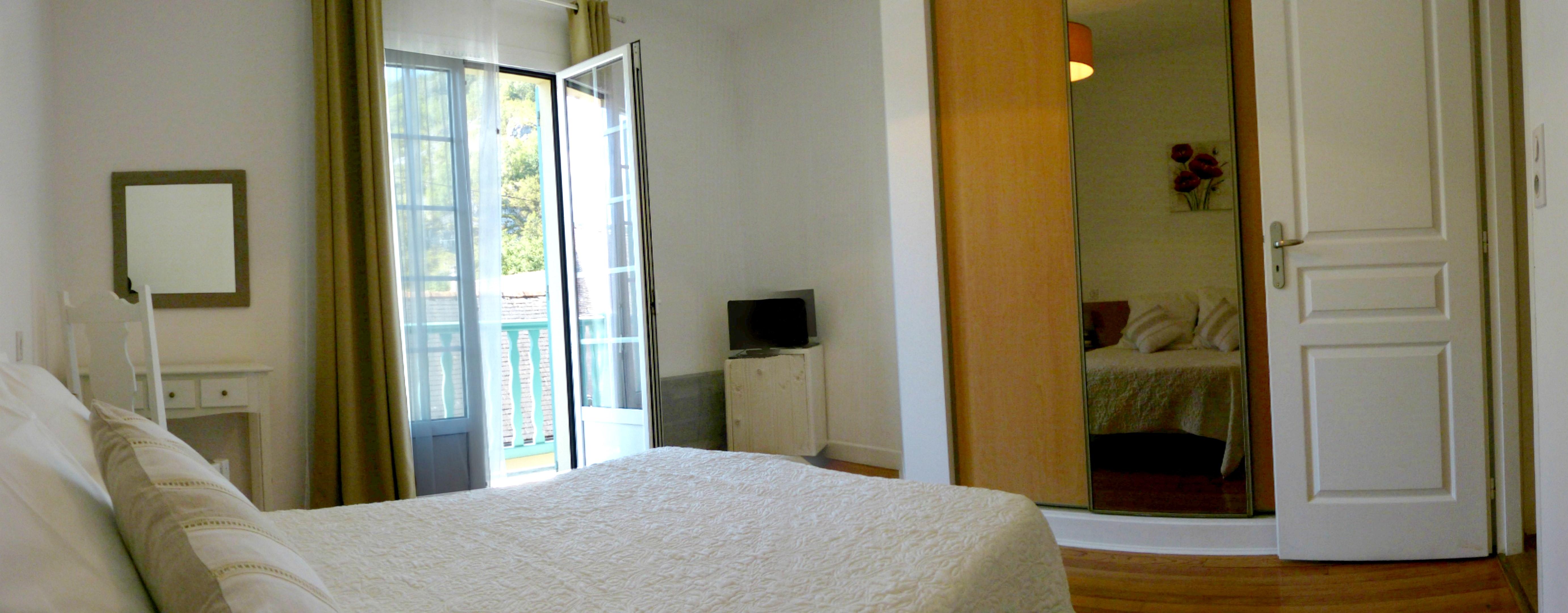 Ferienhaus Haus mit 2 Schlafzimmern in Lourdes mit toller Aussicht auf die Berge, möblierter Terrasse (2396219), Lourdes, Hautes-Pyrénées, Midi-Pyrénées, Frankreich, Bild 11