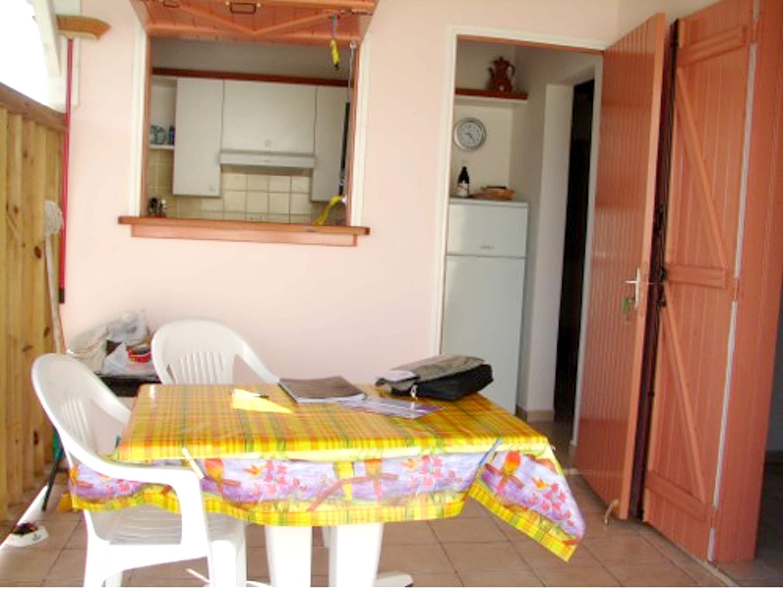 Haus mit einem Schlafzimmer in Saint-Franço Ferienhaus in Guadeloupe