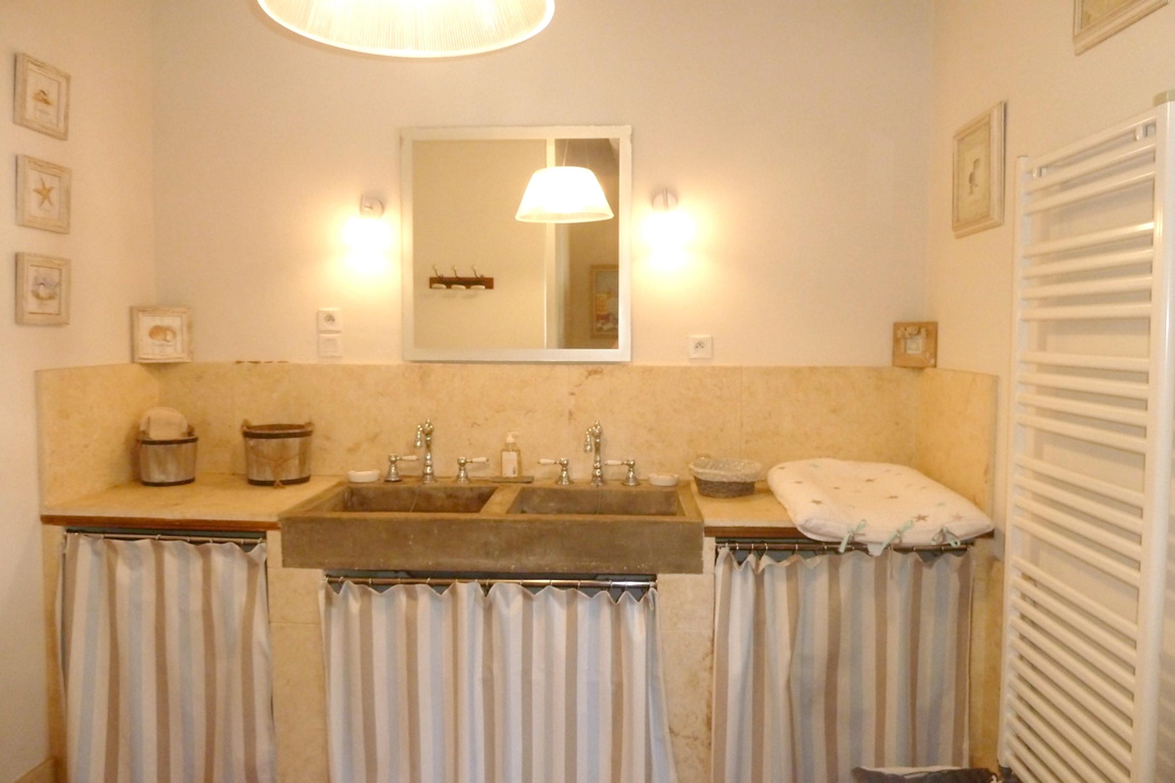 Ferienhaus Haus mit 6 Schlafzimmern in Pernes-les-Fontaines mit privatem Pool, möbliertem Garten und  (2377414), Pernes les Fontaines, Saône-et-Loire, Burgund, Frankreich, Bild 25