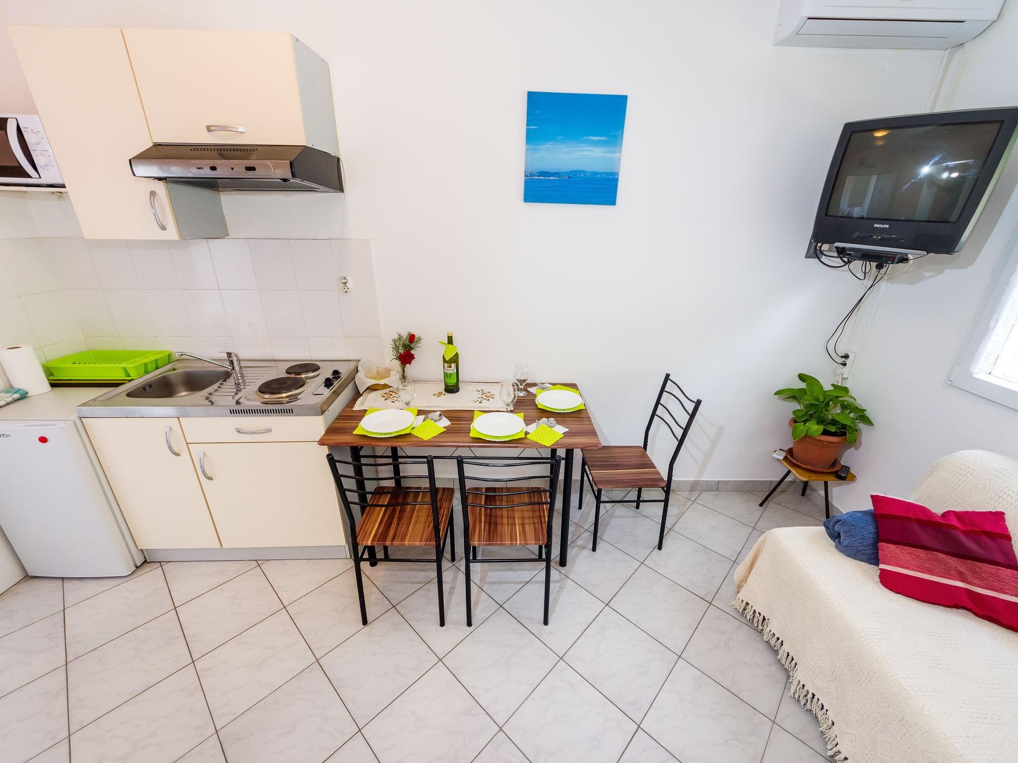 Holiday apartment Wohnung mit einem Zimmer in Zadar mit eingezäuntem Garten und W-LAN - 1 km vom Strand entf (2201234), Zadar, , Dalmatia, Croatia, picture 3
