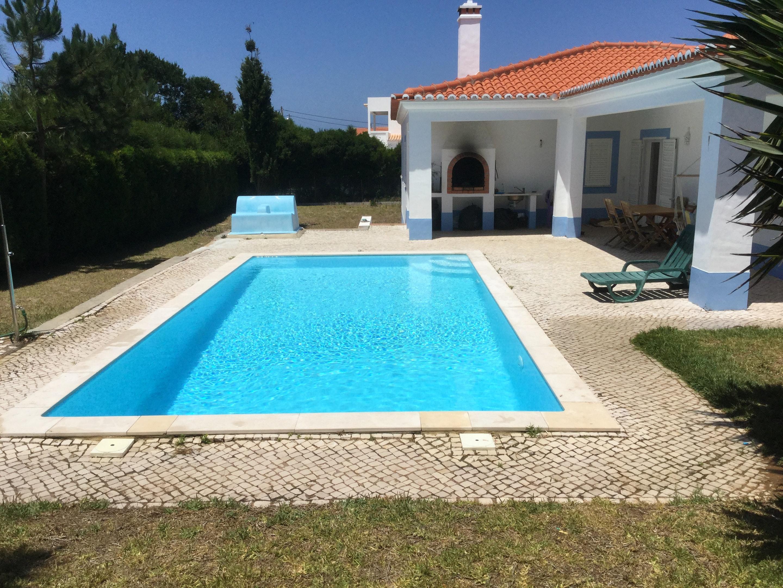 Villa mit 4 Schlafzimmern in Aljezur mit privatem Pool und eingezäuntem Garten