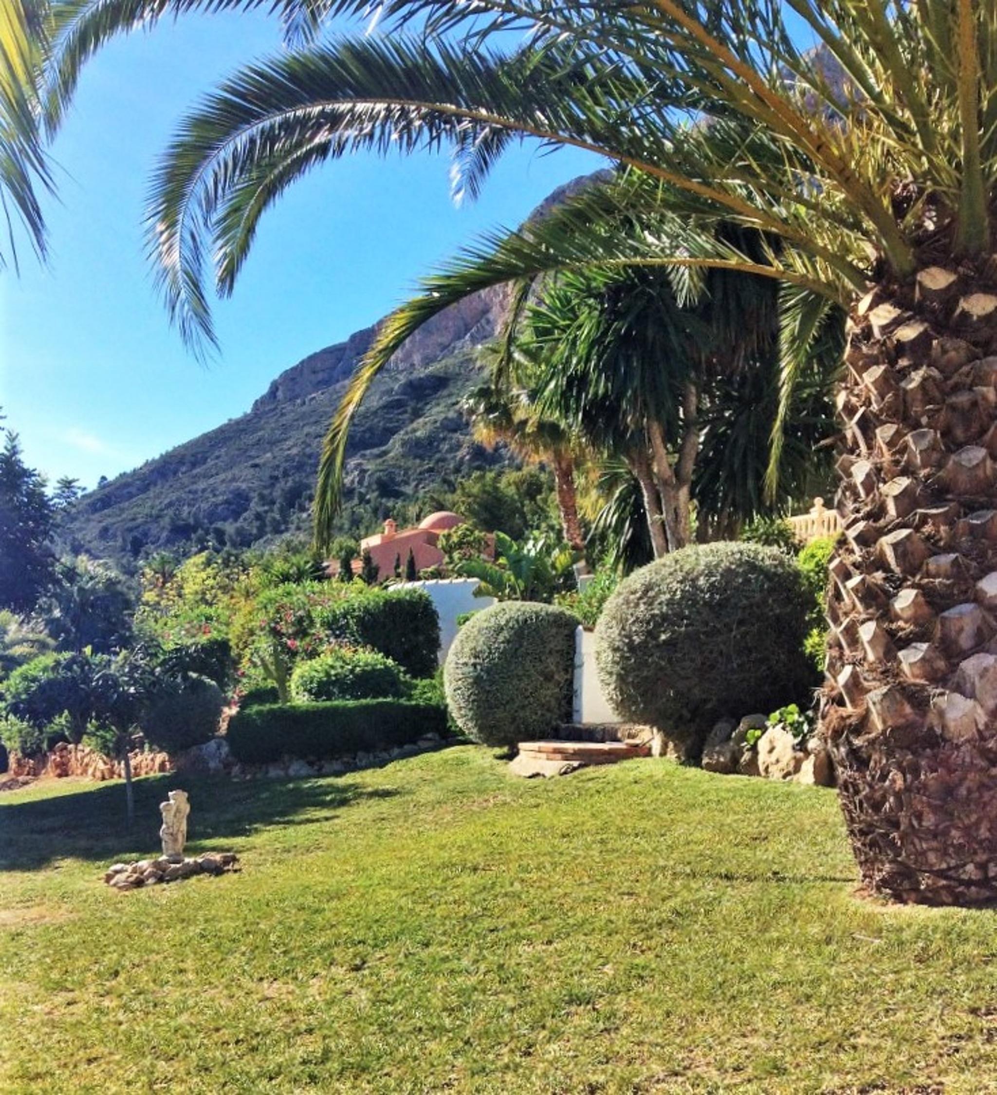 Ferienhaus Geräumige Villa mit fünf Schlafzimmer in Javea mit möblierter Terrasse, Pool und toller Au (2201168), Jávea, Costa Blanca, Valencia, Spanien, Bild 17