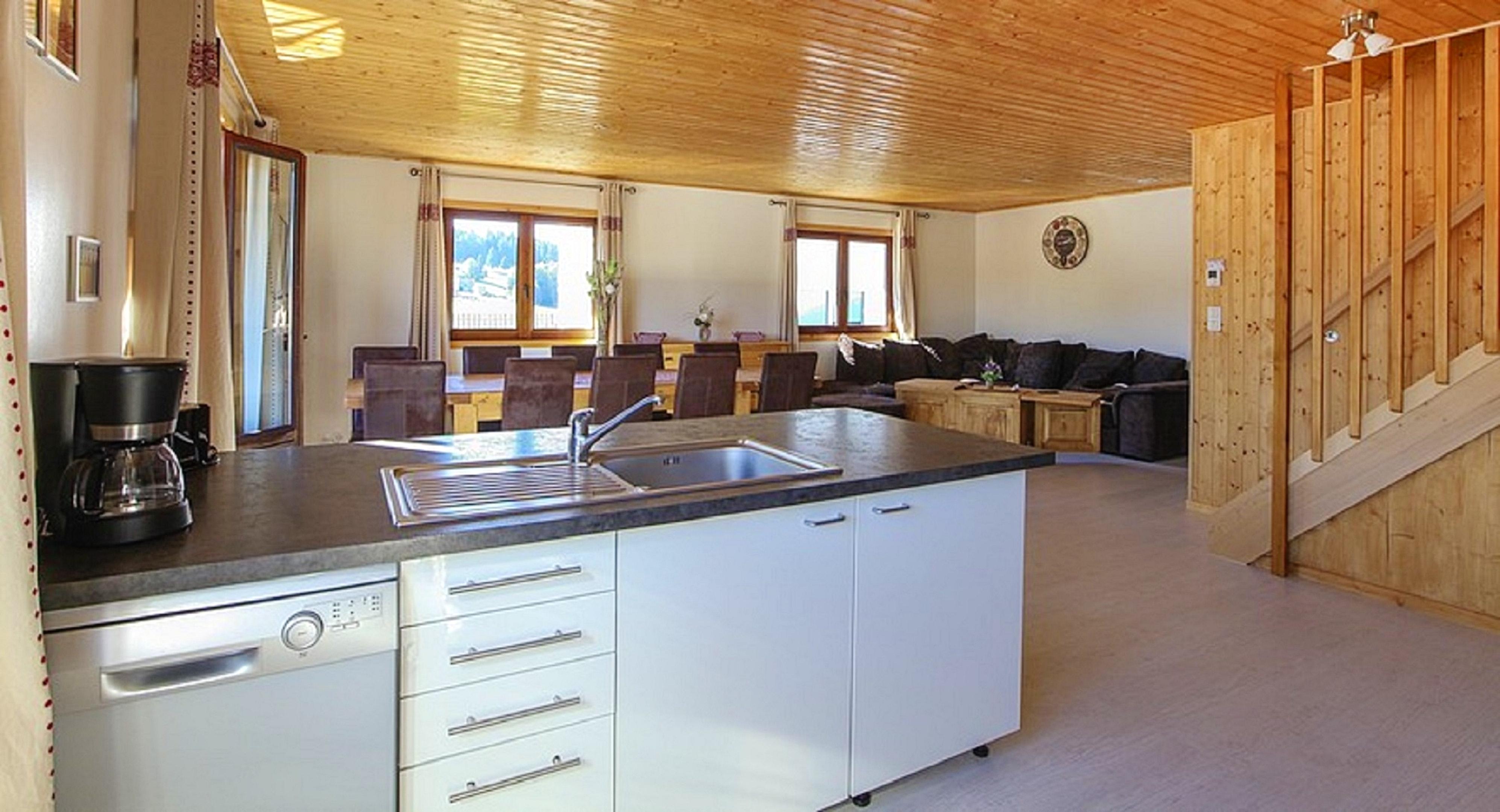 Maison de vacances Hütte mit 7 Schlafzimmern in Les Moussières mit toller Aussicht auf die Berge, möblierter  (2677371), Les Moussières, Jura, Franche-Comté, France, image 24