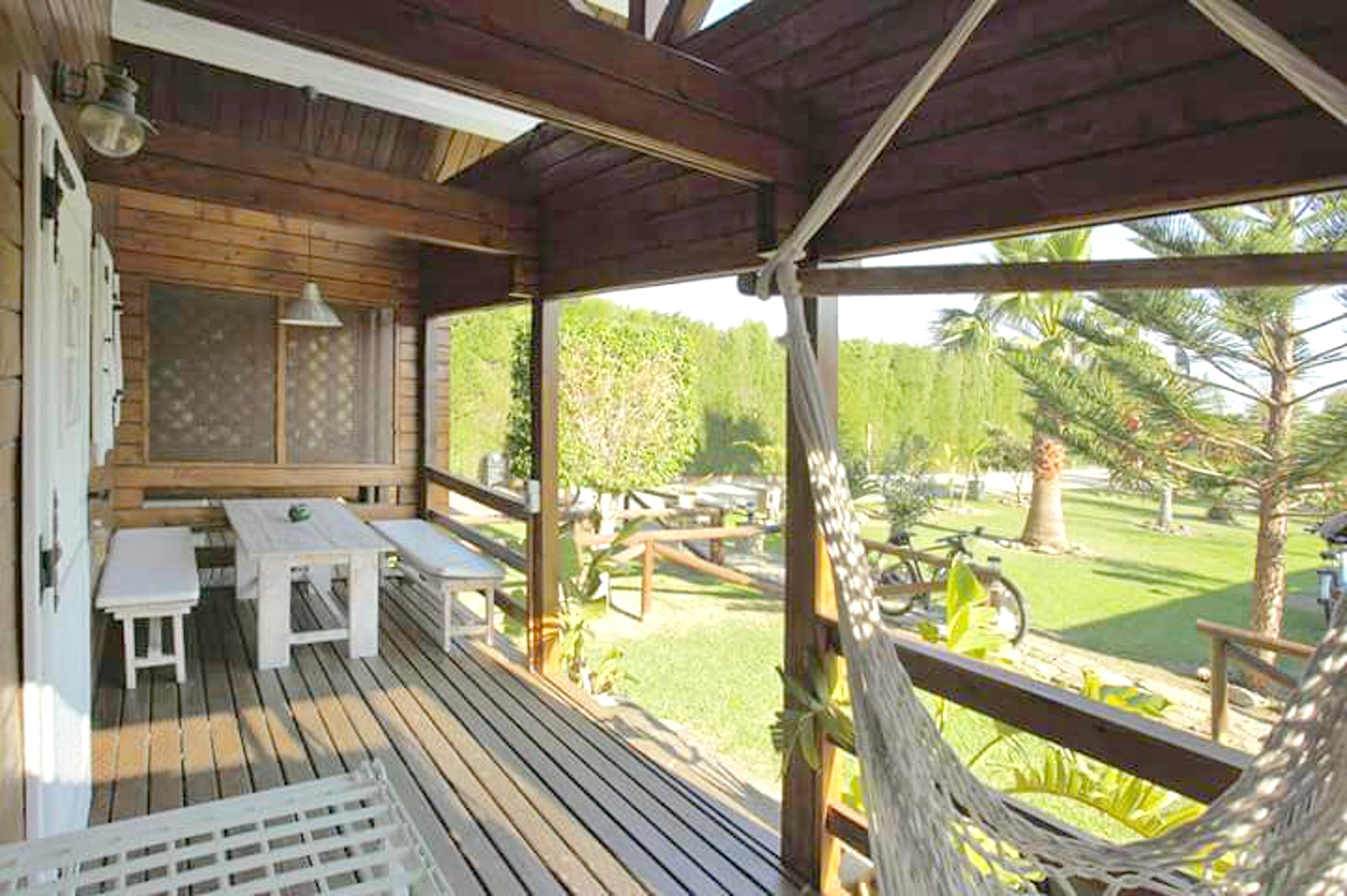 Bungalow mit 3 Schlafzimmern in Tarifa mit toller  Hütte