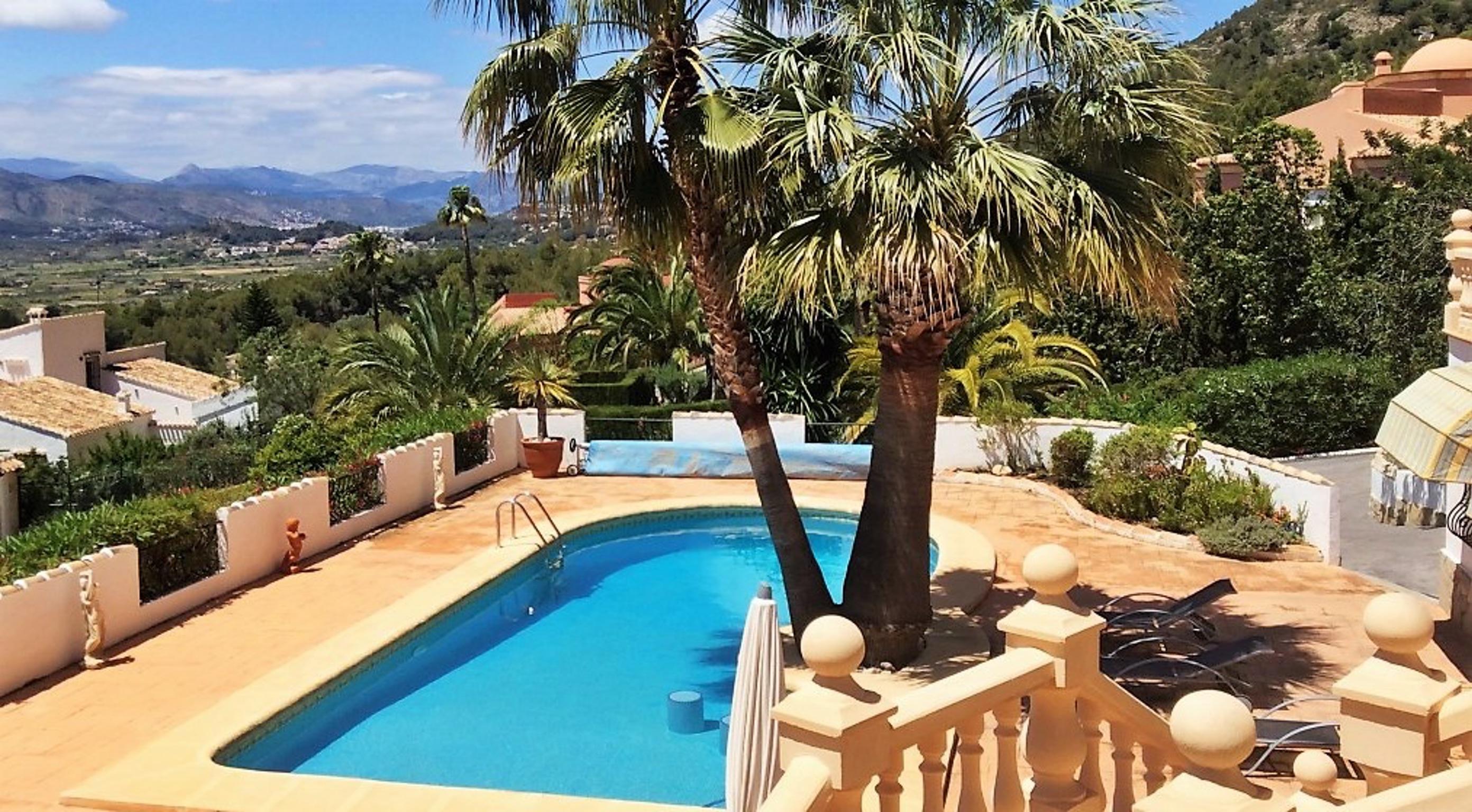Ferienhaus Geräumige Villa mit fünf Schlafzimmer in Javea mit möblierter Terrasse, Pool und toller Au (2201168), Jávea, Costa Blanca, Valencia, Spanien, Bild 3