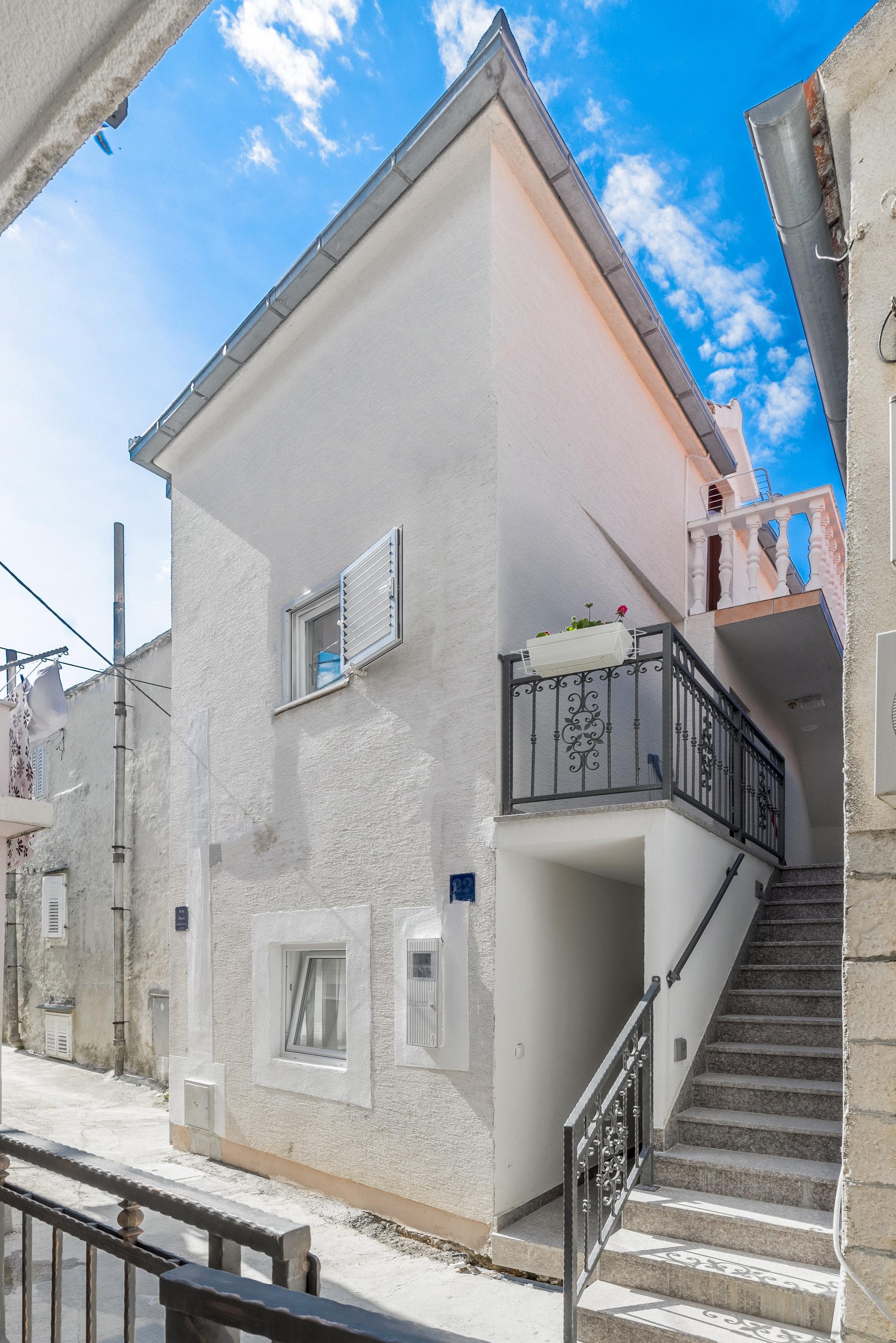 Ferienwohnung Wohnung mit 2 Zimmern in Baaka Voda mit herrlichem Meerblick, möblierter Terrasse und W-L (2201397), Baška Voda, , Dalmatien, Kroatien, Bild 12