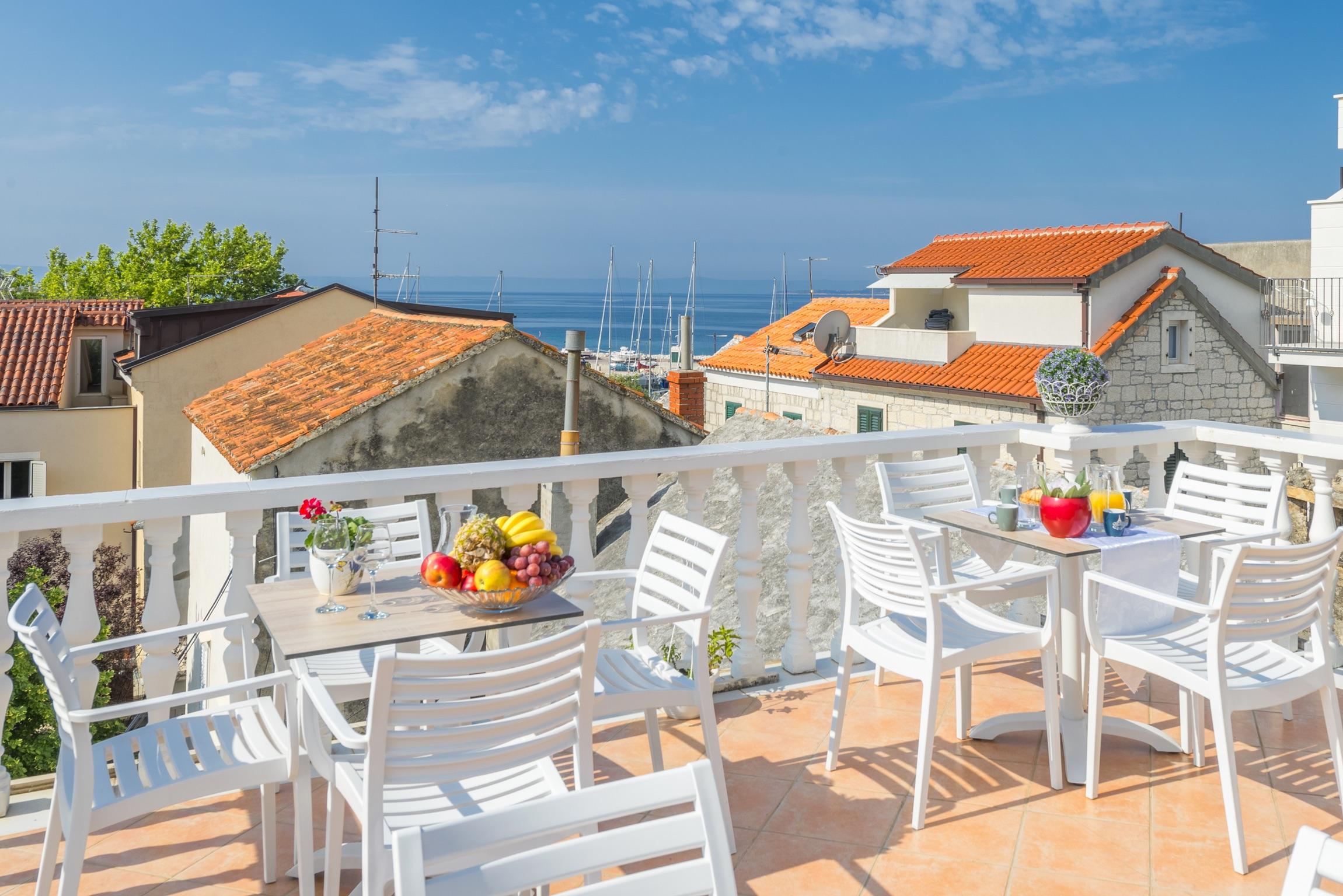 Ferienwohnung Wohnung mit 2 Zimmern in Baaka Voda mit herrlichem Meerblick, möblierter Terrasse und W-L (2201397), Baška Voda, , Dalmatien, Kroatien, Bild 14