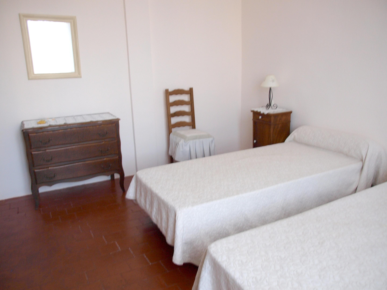 Holiday house Villa mit 4 Schlafzimmern in Caromb mit toller Aussicht auf die Berge, privatem Pool, eing (2437960), Caromb, Vaucluse, Provence - Alps - Côte d'Azur, France, picture 11