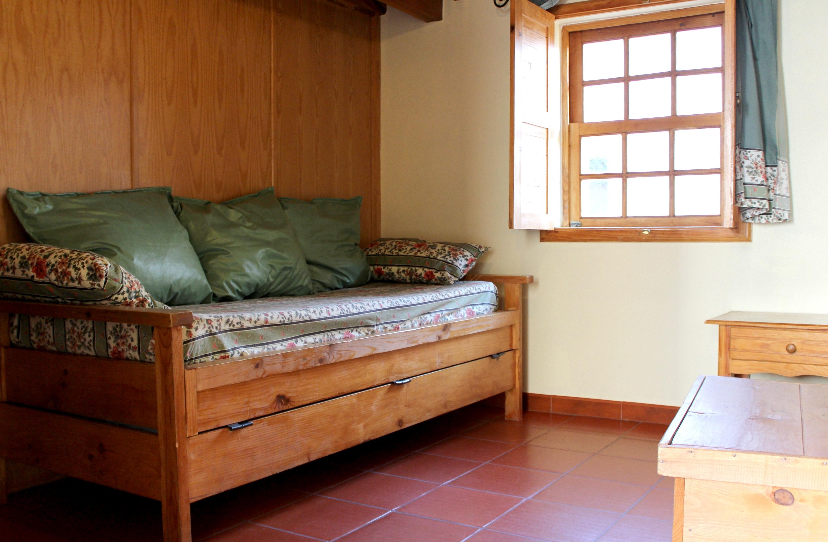Holiday apartment Wohnung mit einem Schlafzimmer in Seia mit möblierter Terrasse und W-LAN - 200 m vom Stran (2525559), Seia, , Central-Portugal, Portugal, picture 1