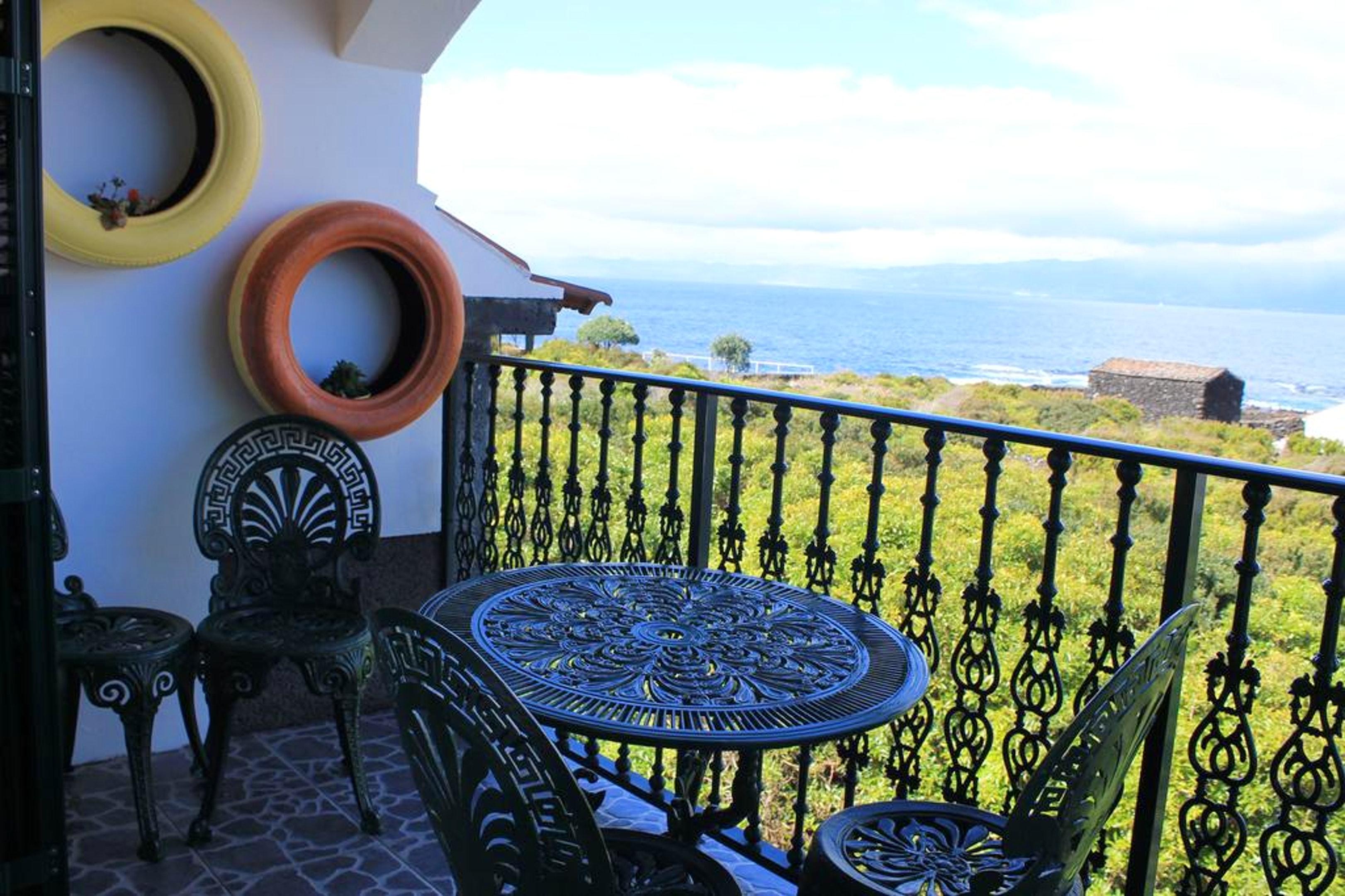 Ferienhaus Haus mit 3 Schlafzimmern in Prainha mit herrlichem Meerblick, eingezäuntem Garten und W-LA (2683894), Prainha, Pico, Azoren, Portugal, Bild 1