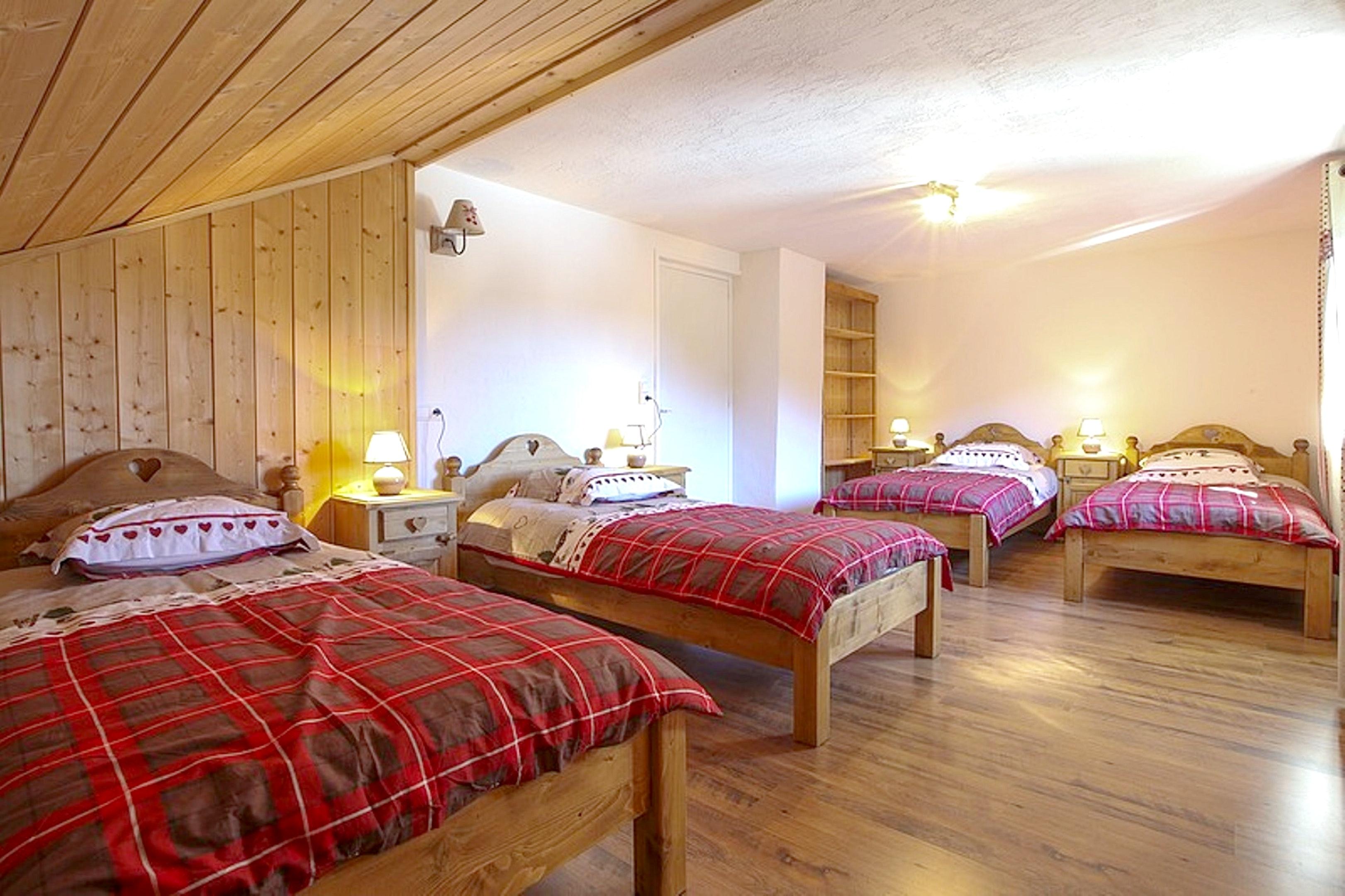 Maison de vacances Hütte mit 7 Schlafzimmern in Les Moussières mit toller Aussicht auf die Berge, möblierter  (2677371), Les Moussières, Jura, Franche-Comté, France, image 7