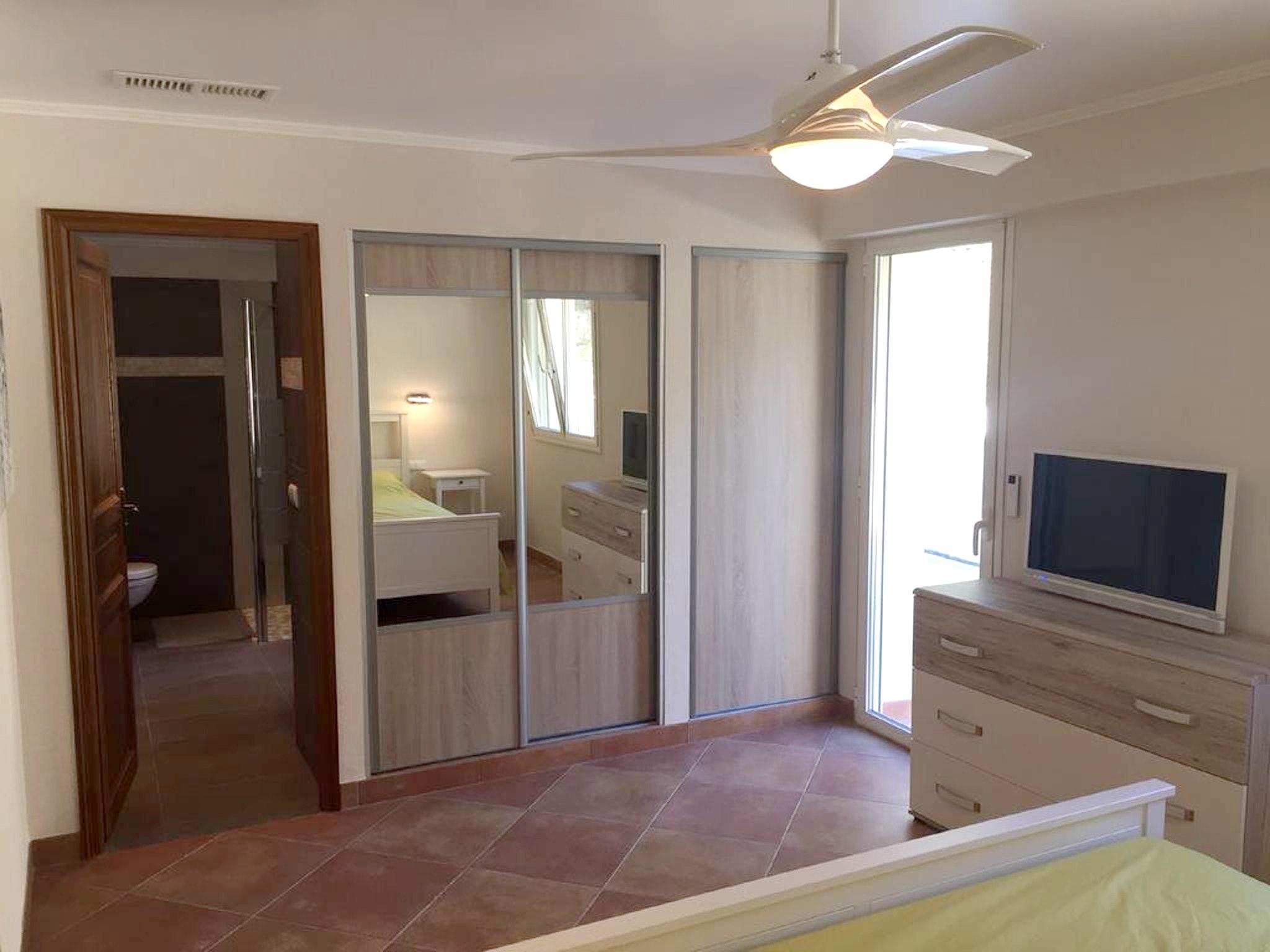 Maison de vacances Villa mit 5 Schlafzimmern in Rayol-Canadel-sur-Mer mit toller Aussicht auf die Berge, priv (2201555), Le Lavandou, Côte d'Azur, Provence - Alpes - Côte d'Azur, France, image 20