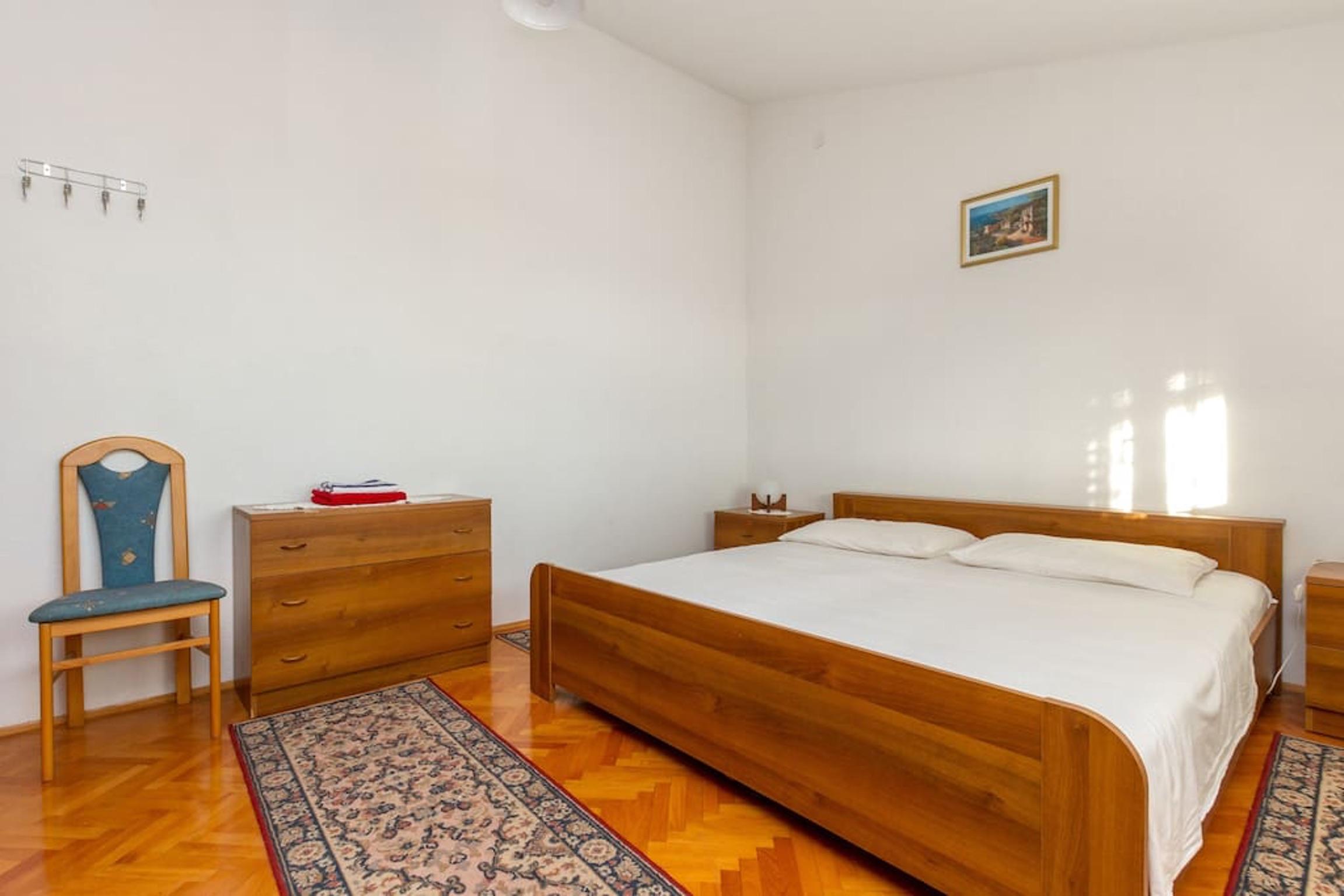 Ferienwohnung Wohnung mit 3 Zimmern in Seget Vranjica mit herrlichem Meerblick und eingezäuntem Garten - (2339638), Seget Donji, , Dalmatien, Kroatien, Bild 7
