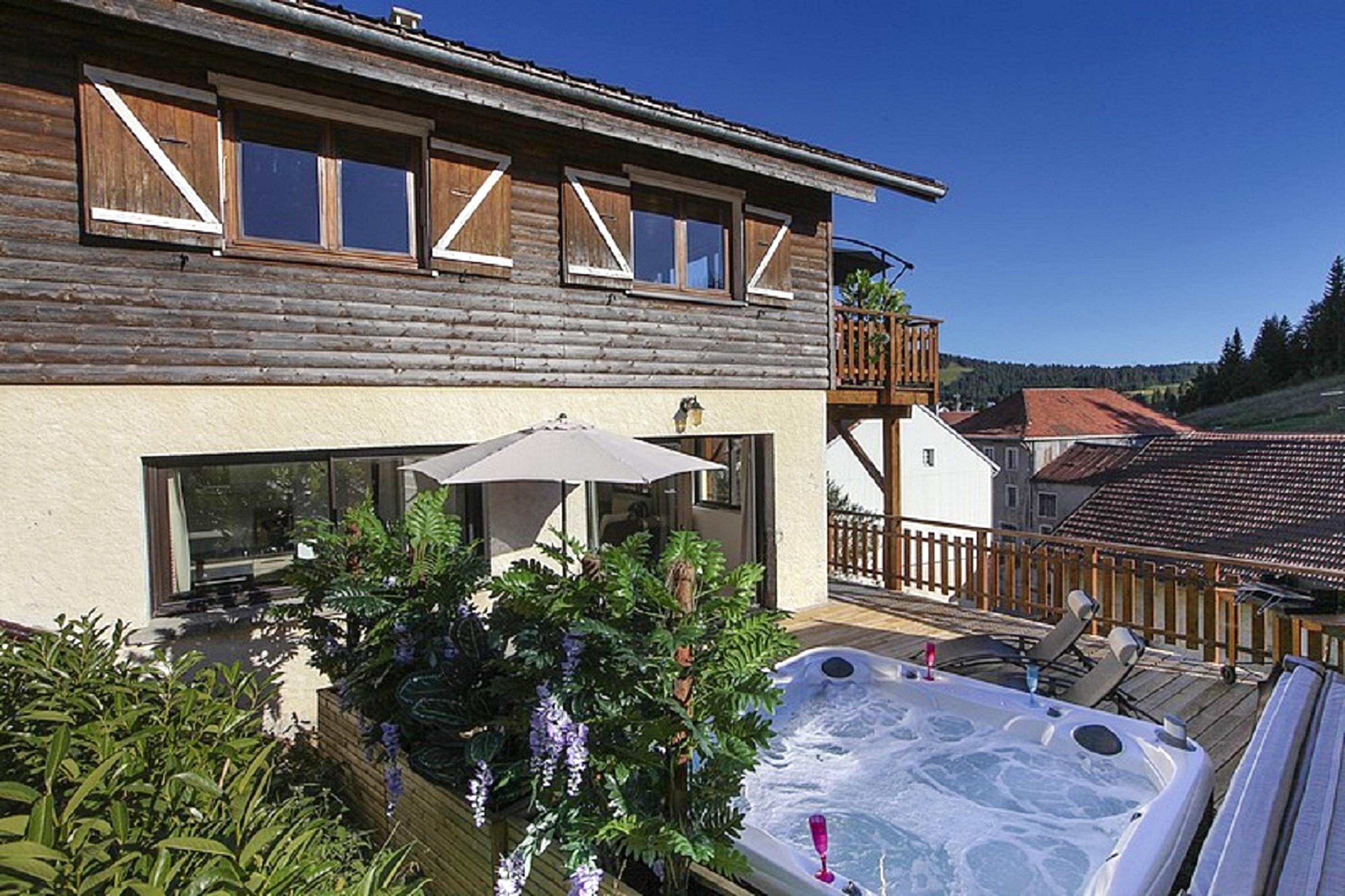 Maison de vacances Hütte mit 7 Schlafzimmern in Les Moussières mit toller Aussicht auf die Berge, möblierter  (2677371), Les Moussières, Jura, Franche-Comté, France, image 17