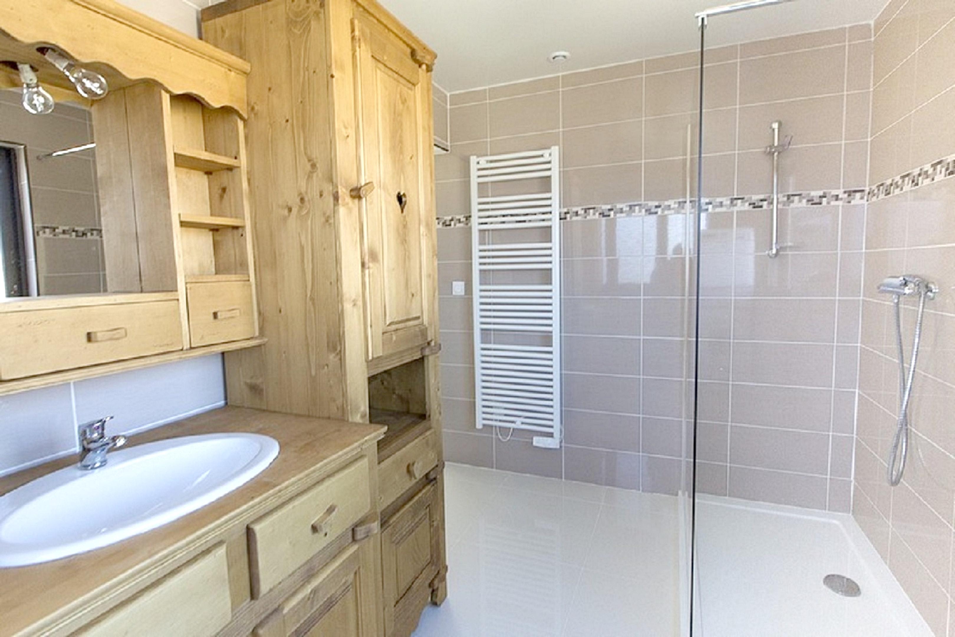 Maison de vacances Hütte mit 7 Schlafzimmern in Les Moussières mit toller Aussicht auf die Berge, möblierter  (2677371), Les Moussières, Jura, Franche-Comté, France, image 21