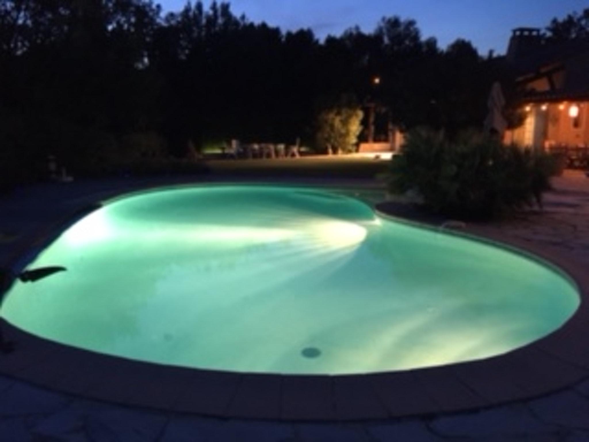 Ferienhaus Villa mit 4 Schlafzimmern in Pernes-les-Fontaines mit toller Aussicht auf die Berge, priva (2519446), Pernes les Fontaines, Saône-et-Loire, Burgund, Frankreich, Bild 10