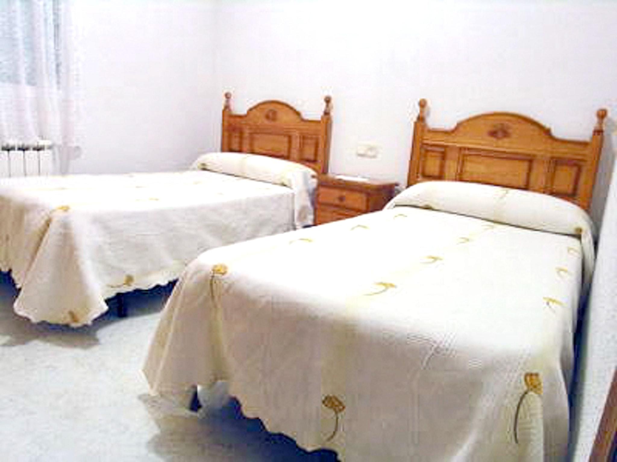 Ferienhaus El Molino Viejo - Haus mit drei Schlafzimmern, Balkon und Blick auf die beeindruckenden Be (2202391), Navacepeda de Tormes, Avila, Kastilien-León, Spanien, Bild 9